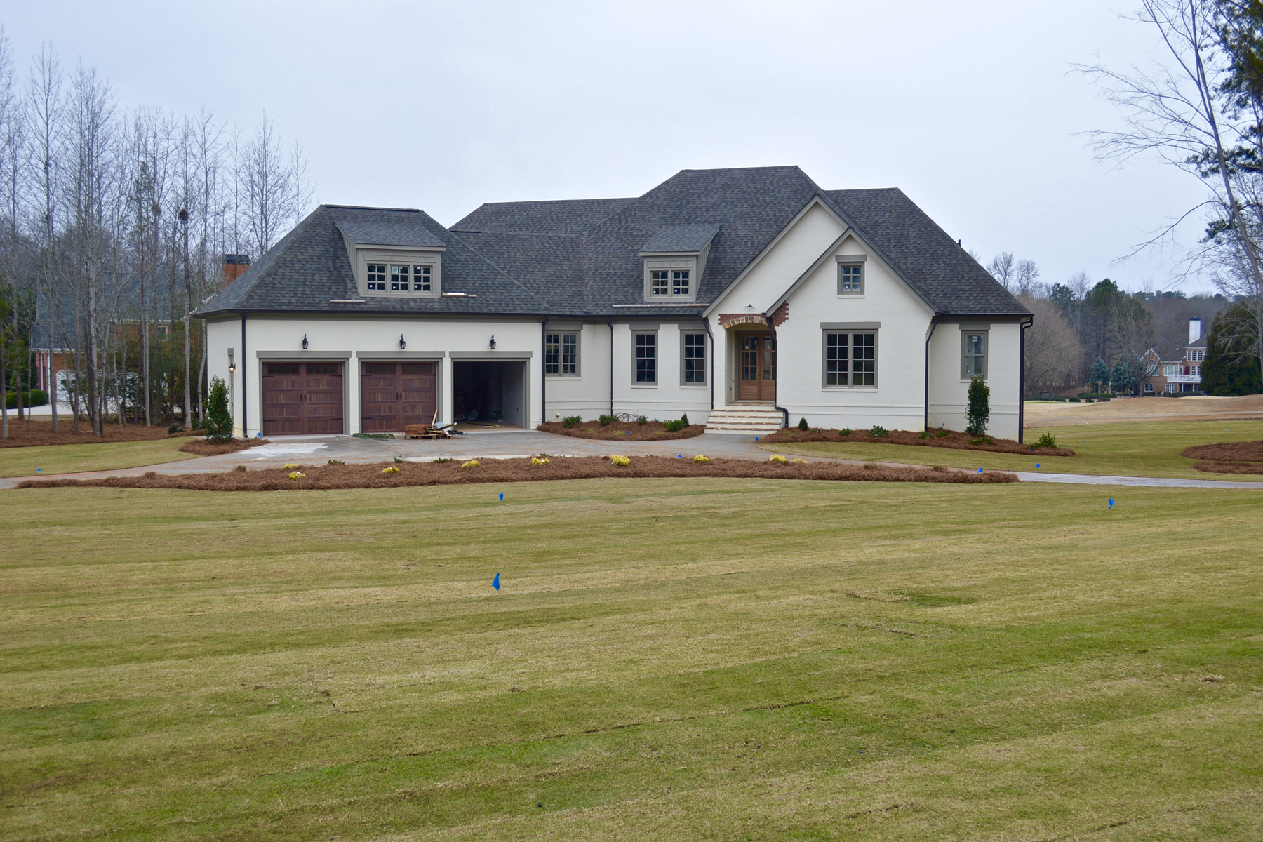 Maison unifamiliale pour l Vente à Elegant New Construction On Golf Course 105 Doral Court Fayetteville, Georgia, 30215 États-Unis
