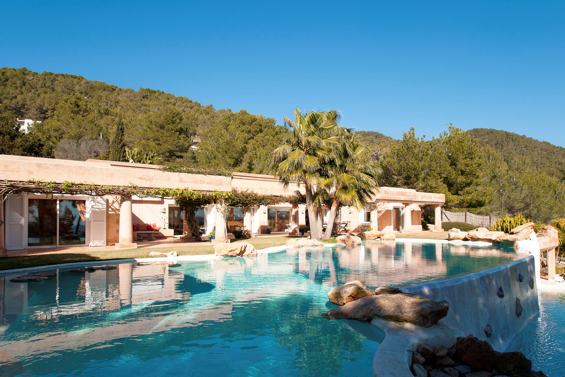 Moradia para Venda às Luxury Villa And Beautiful Setting In Es Cubells Sant Josep, Ibiza, 07817 Espanha