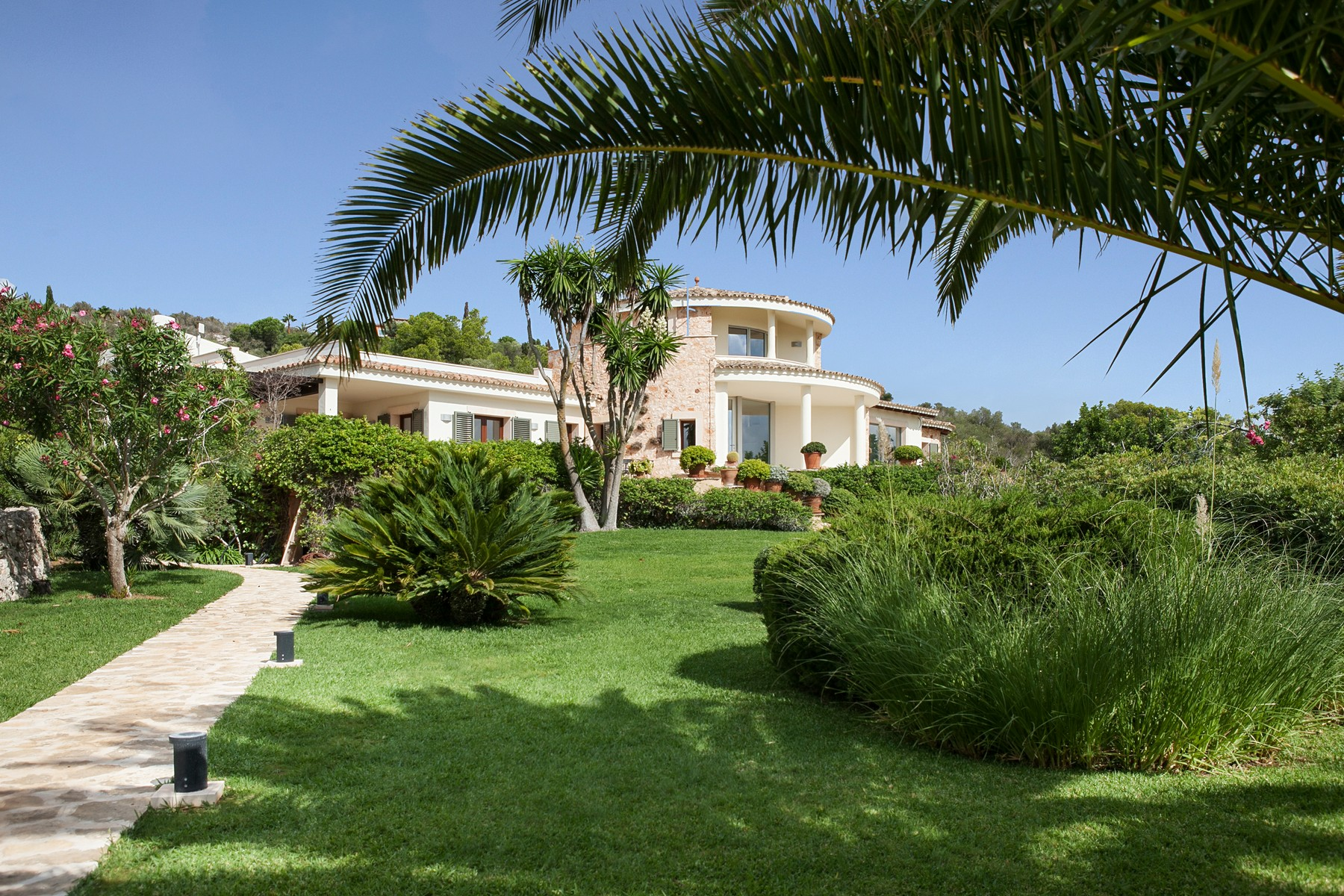 Villa per Vendita alle ore Country Estate with sea views near Porto Colom es caritxo Porto Colom, Maiorca, 07669 Spagna