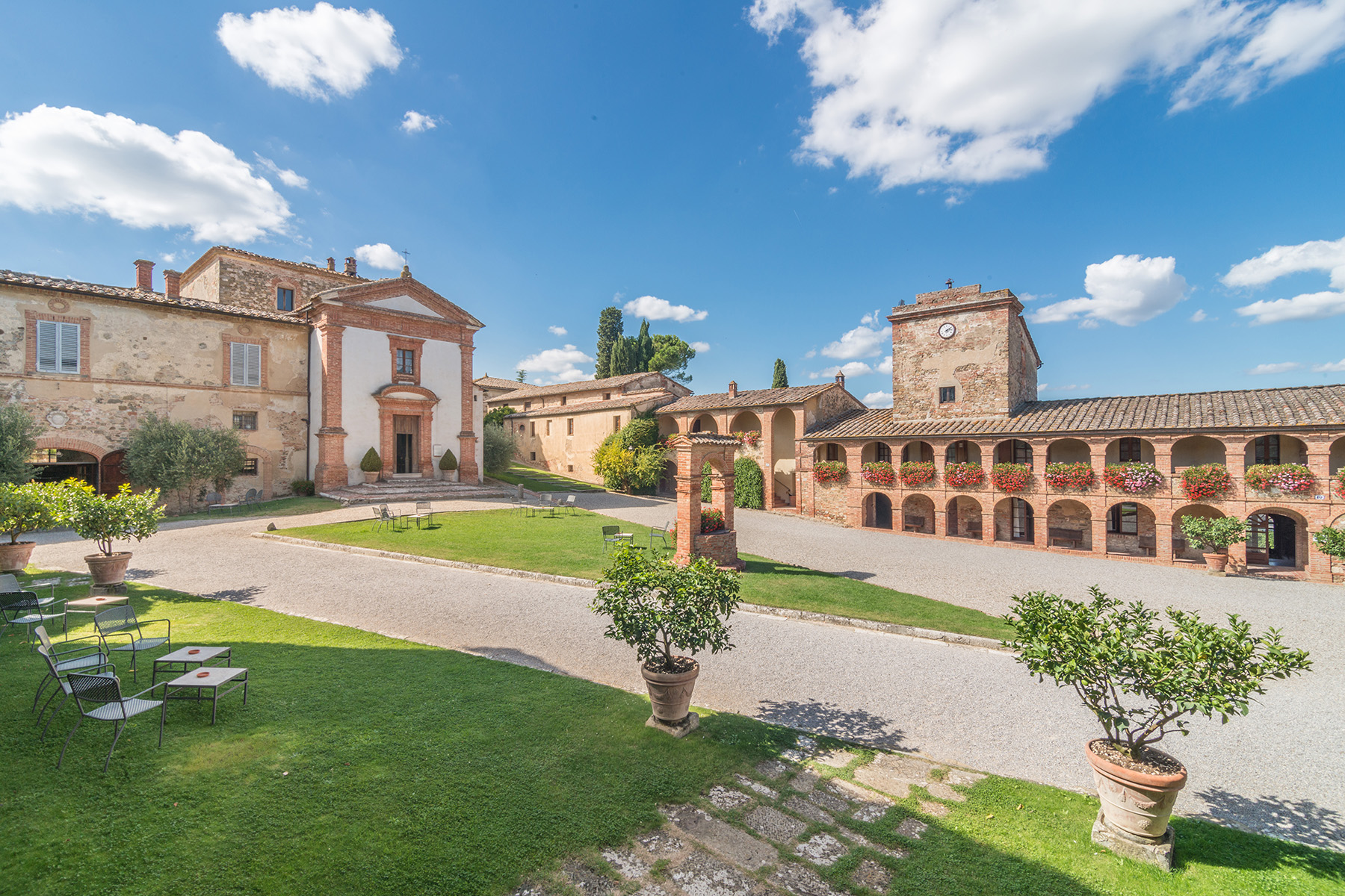 Additional photo for property listing at Amazing Boutique Hotel near Siena Sinalunga Sinalunga, Siena 53100 Italy