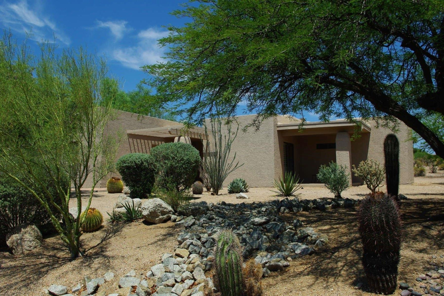 Single Family Home for Sale at Located with backing to the 15th hole of the Boulders Golf Course. 1725 E Staghorn Ln Carefree, Arizona, 85377 United States