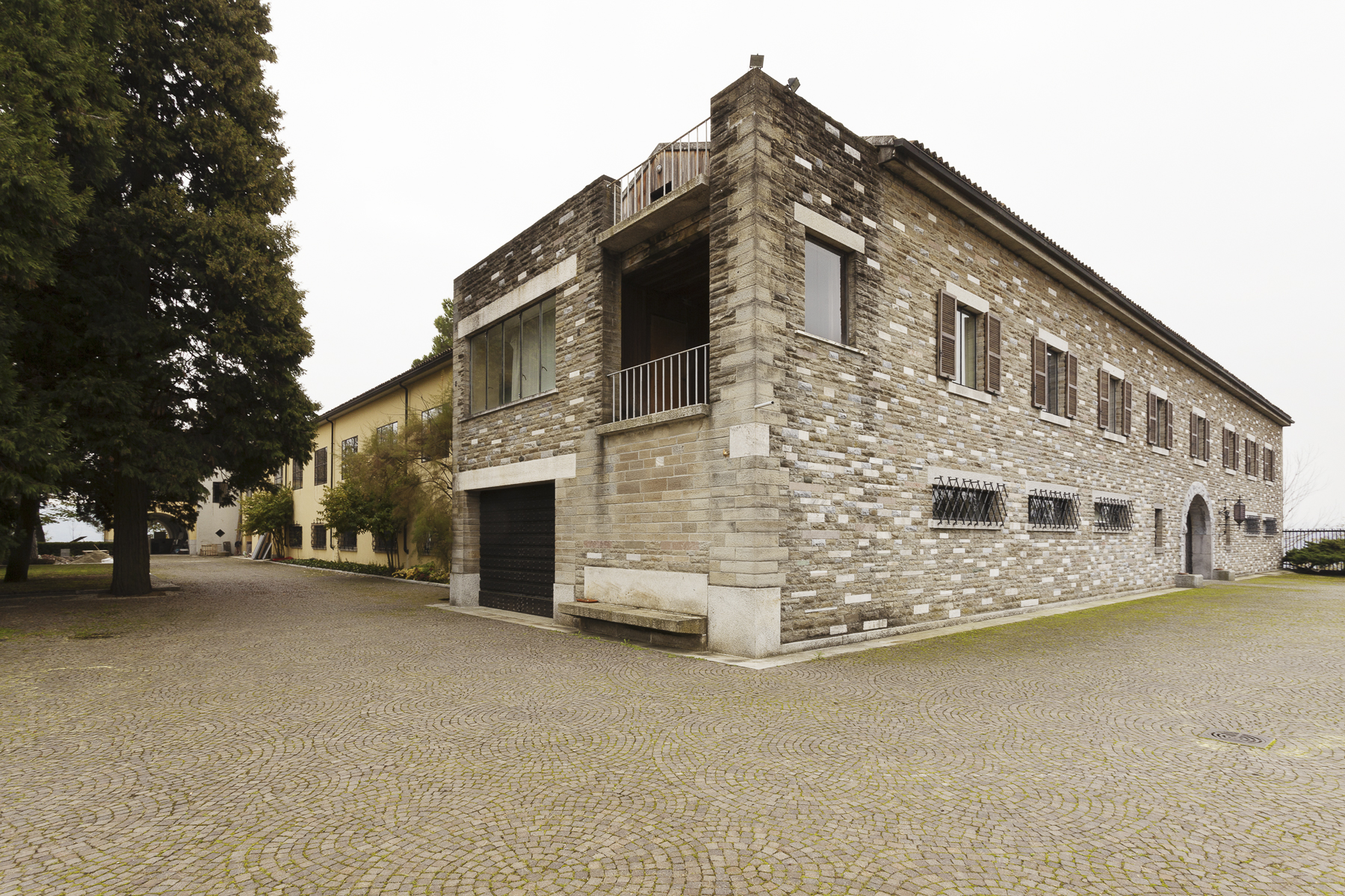 Additional photo for property listing at Villa Ottolenghi, architectural masterpiece in Monferrato Strada Monterosso Acqui Terme, Alessandria 15011 Italien