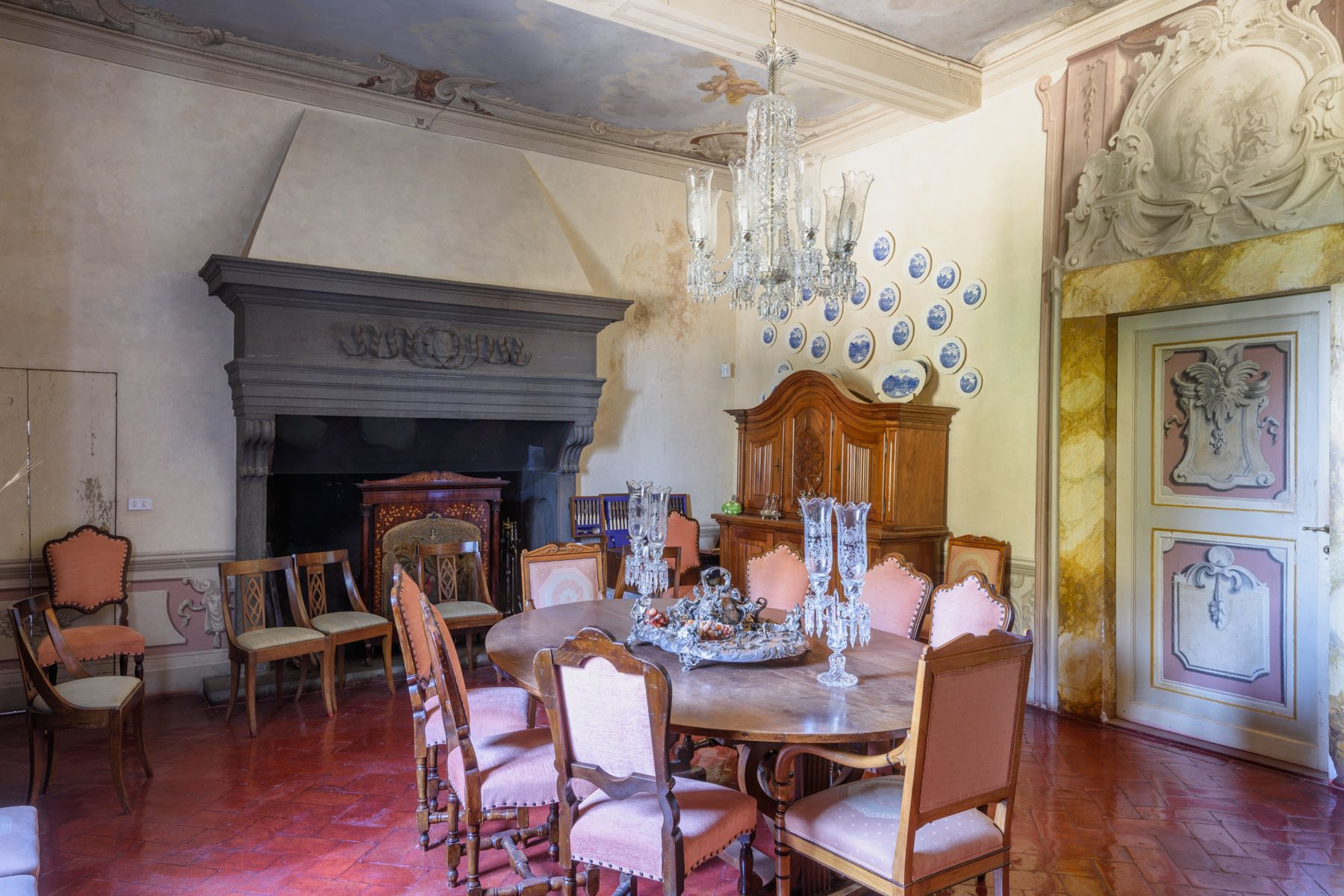 Additional photo for property listing at Michelangelesque Villa near Florence San Casciano in Val di Pesa San Casciano In Val Di Pesa, Florence 50026 Italia