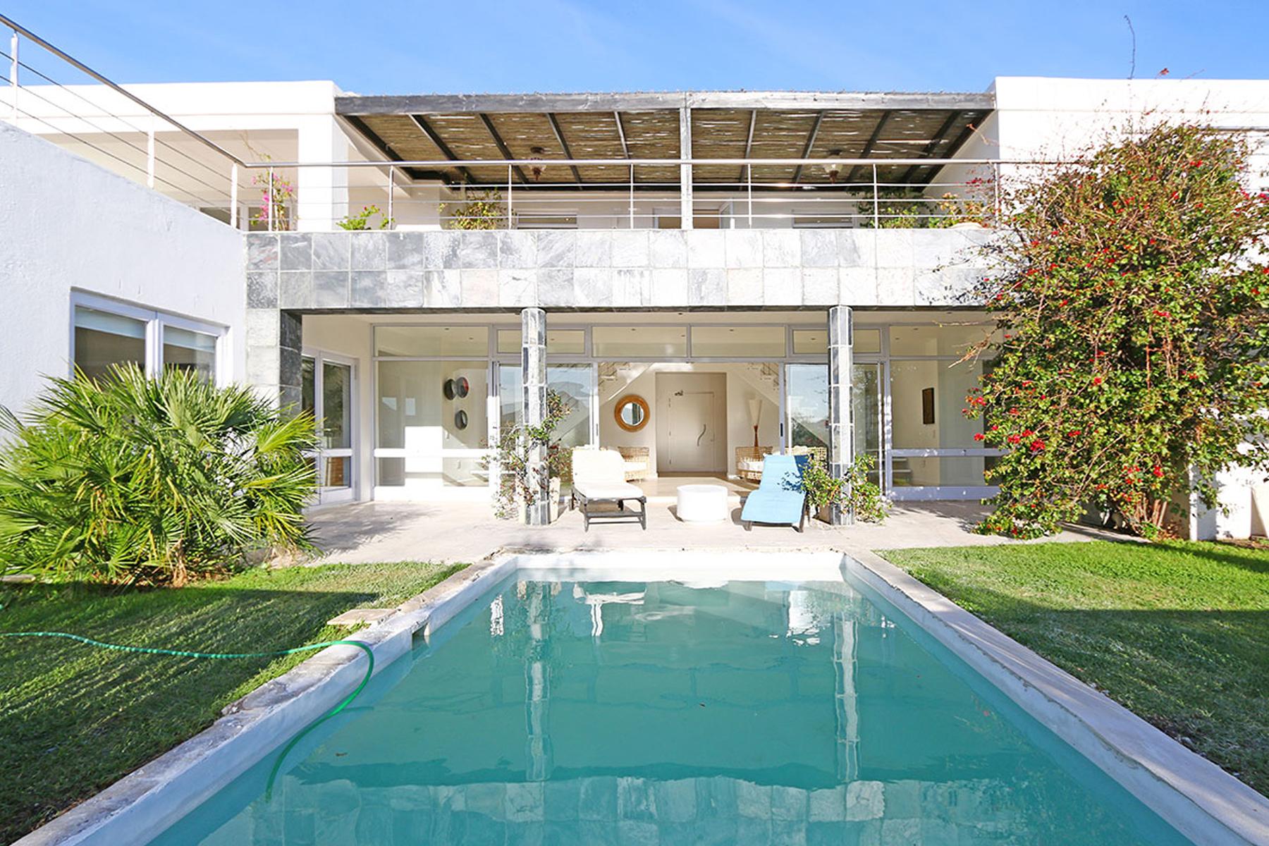 Частный односемейный дом для того Продажа на Hout Bay Cape Town, Западно-Капская Провинция, Южная Африка