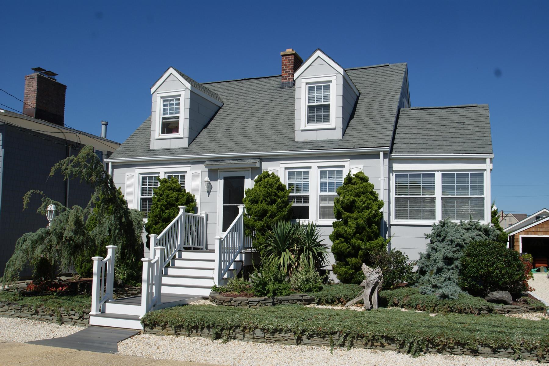 独户住宅 为 销售 在 Warm and Welcome 23 Bond Avenue Lavallette, 新泽西州 08735 美国