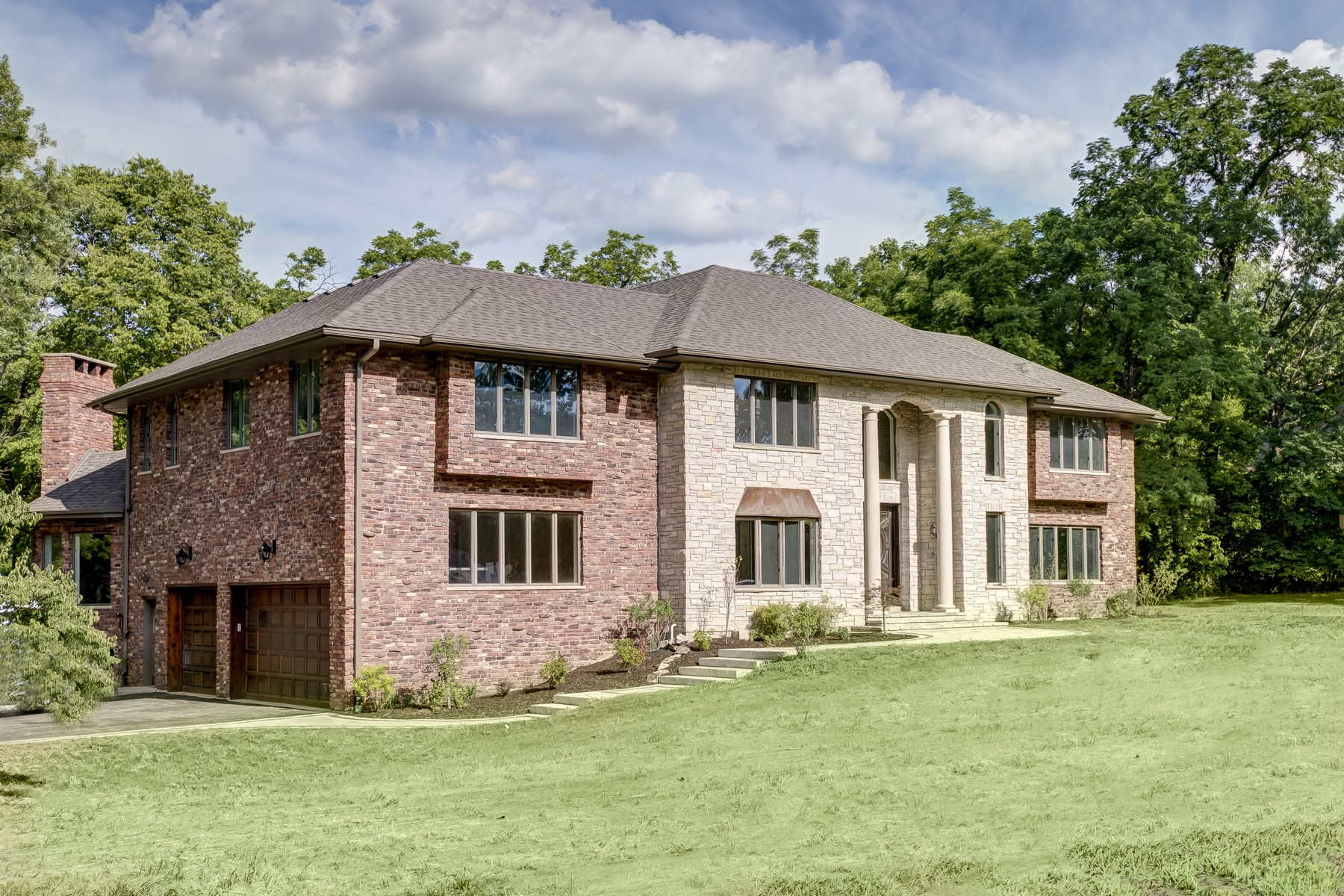 Single Family Home for Sale at Gorgeous Custom Built Home 2 Black Walnut Trail Palos Park, Illinois 60464 United States