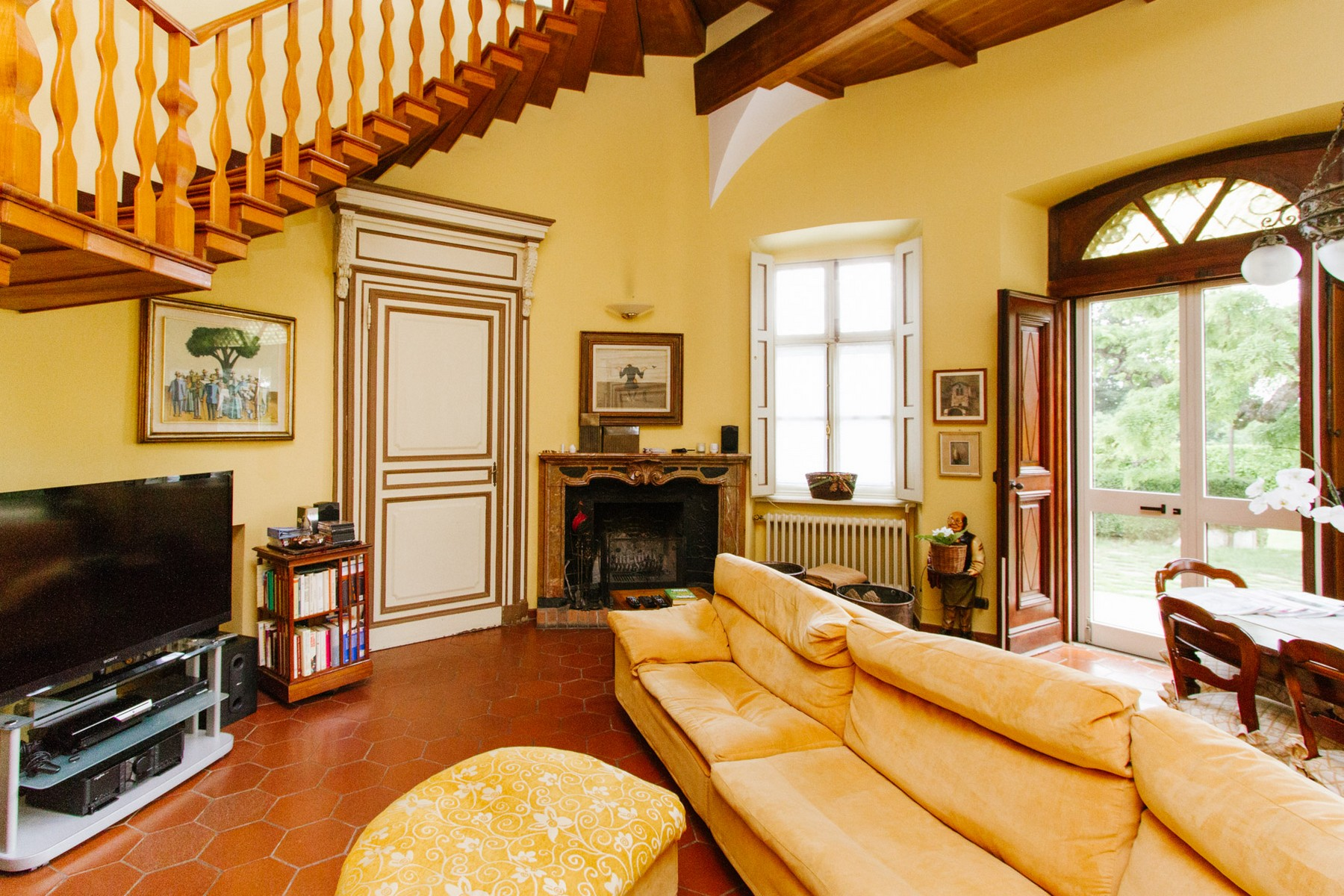Additional photo for property listing at Historical Villa with outdoor pool Sanfre, Cuneo Italien