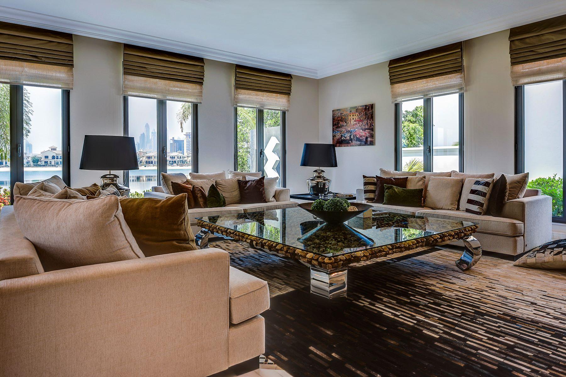 Другая жилая недвижимость для того Продажа на Grand Villa with Private Beach Dubai, Объединенные Арабские Эмираты