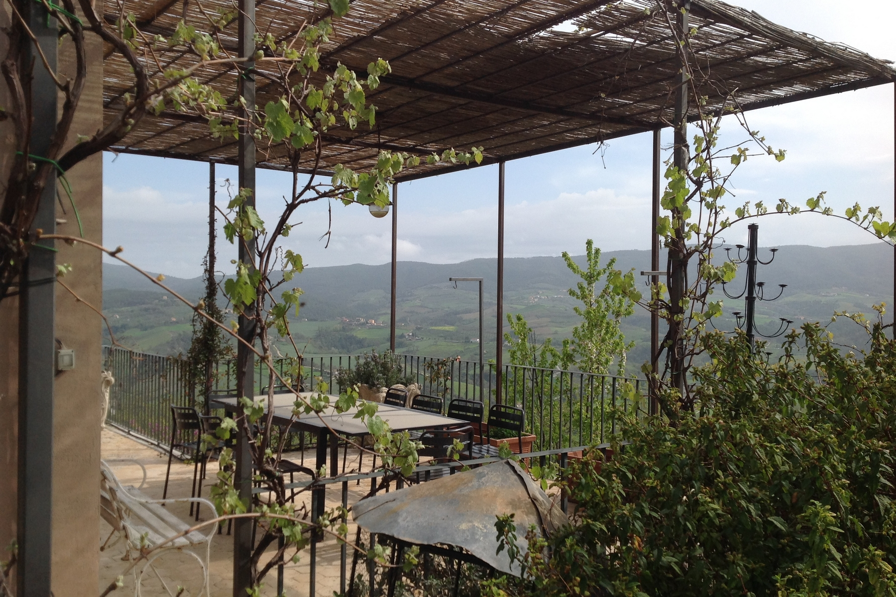 Additional photo for property listing at Splendid modern villa nestled on Umbrian hills Gaglietole Collazzone, Perugia 06050 Italy