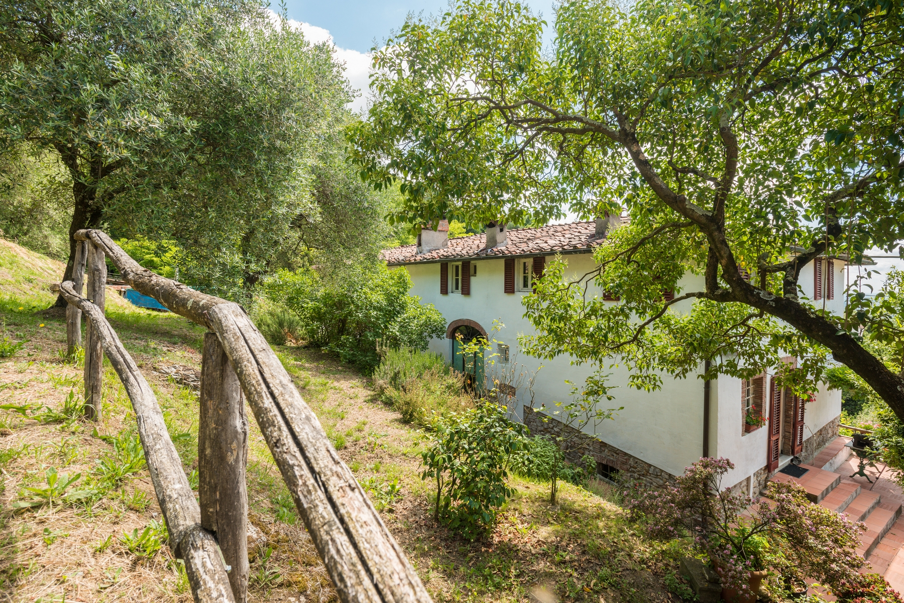 Additional photo for property listing at Country home near Lucca San Concordio di Moriano Lucca, Lucca 55100 Italien