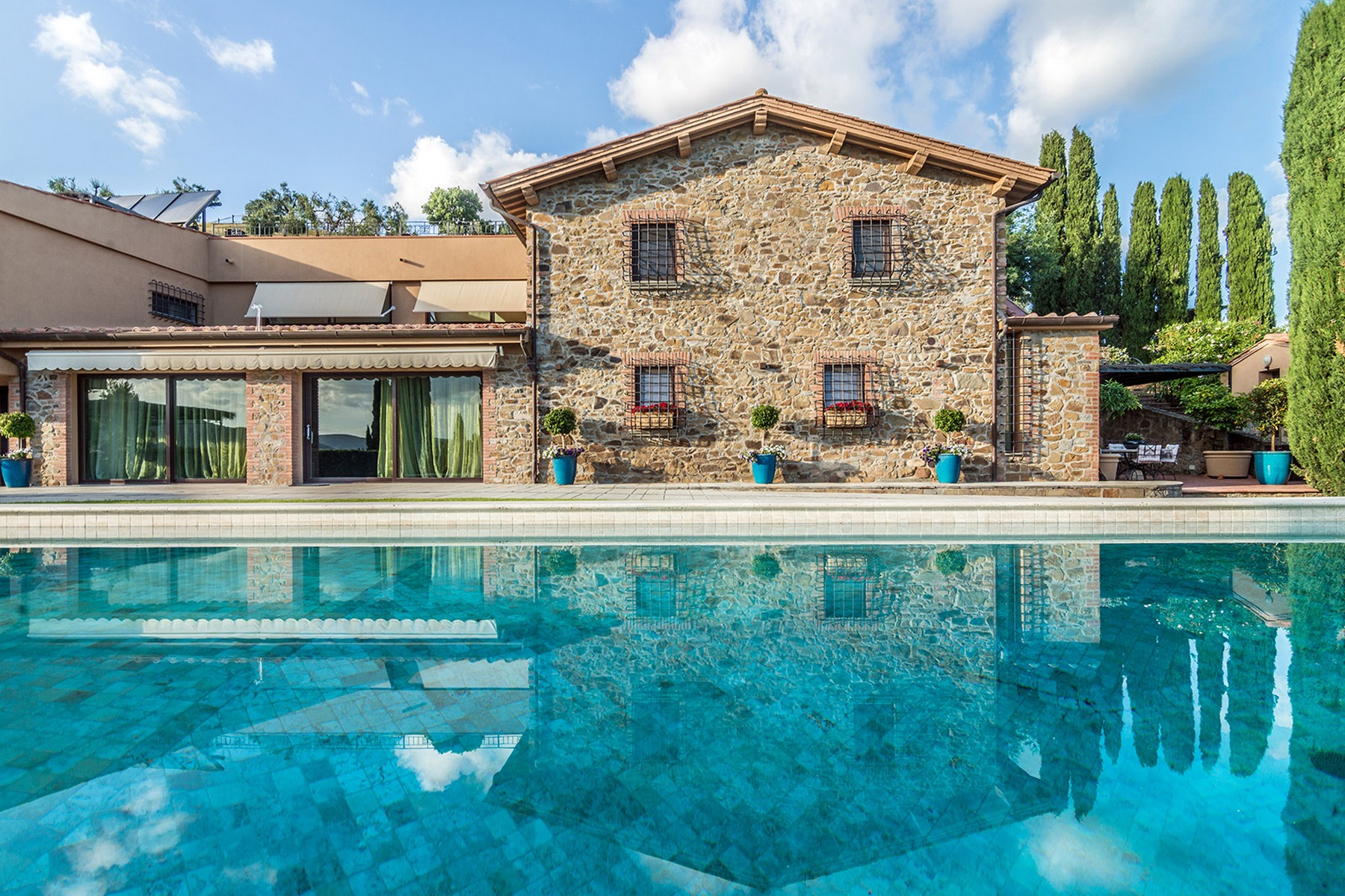 Additional photo for property listing at Inspiring Tuscan Estate with vineyards Castiglione della Pescaia Castiglione Della Pescaia, Grosseto 58043 Italien