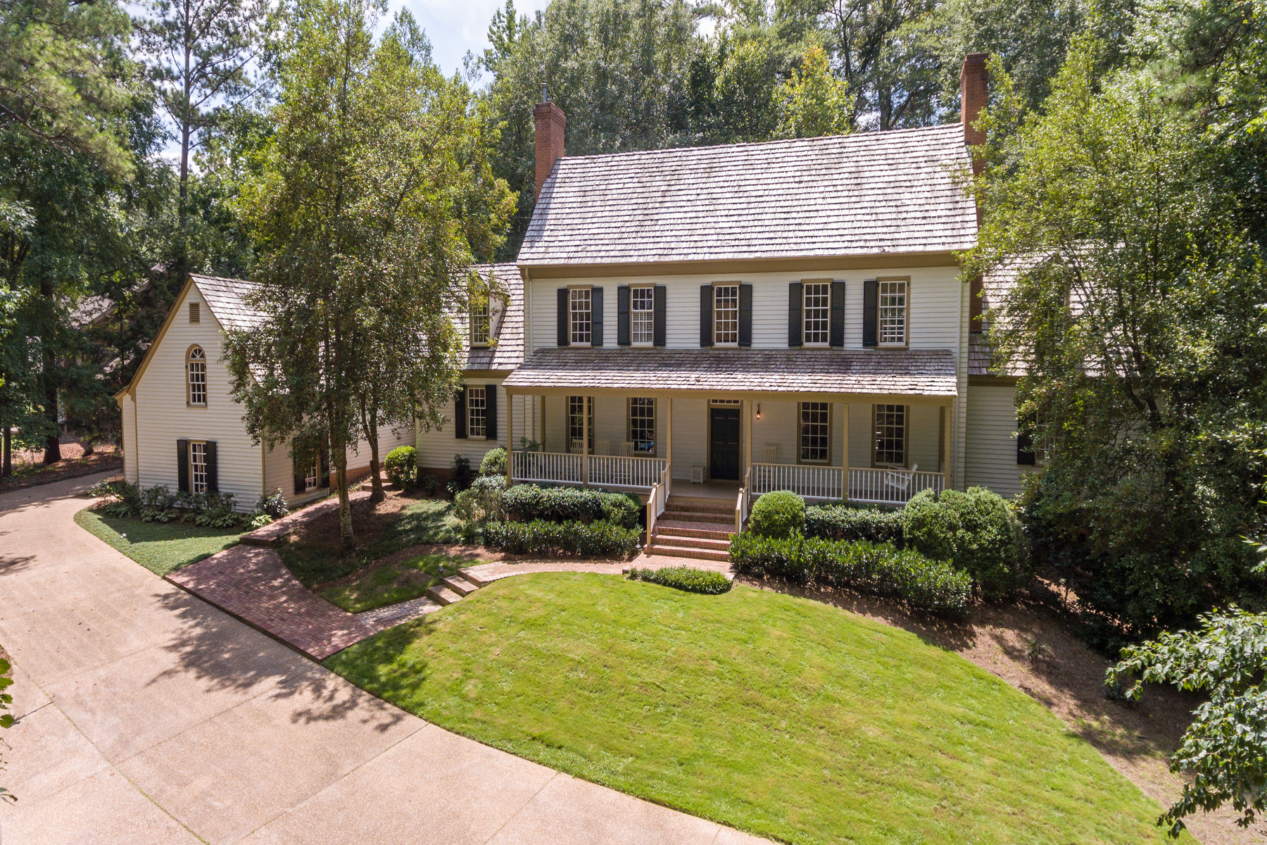 Vivienda unifamiliar por un Venta en Sophisticated Virginia Country Home 4550 Polo Lane SE Vinings, Atlanta, Georgia, 30339 Estados Unidos