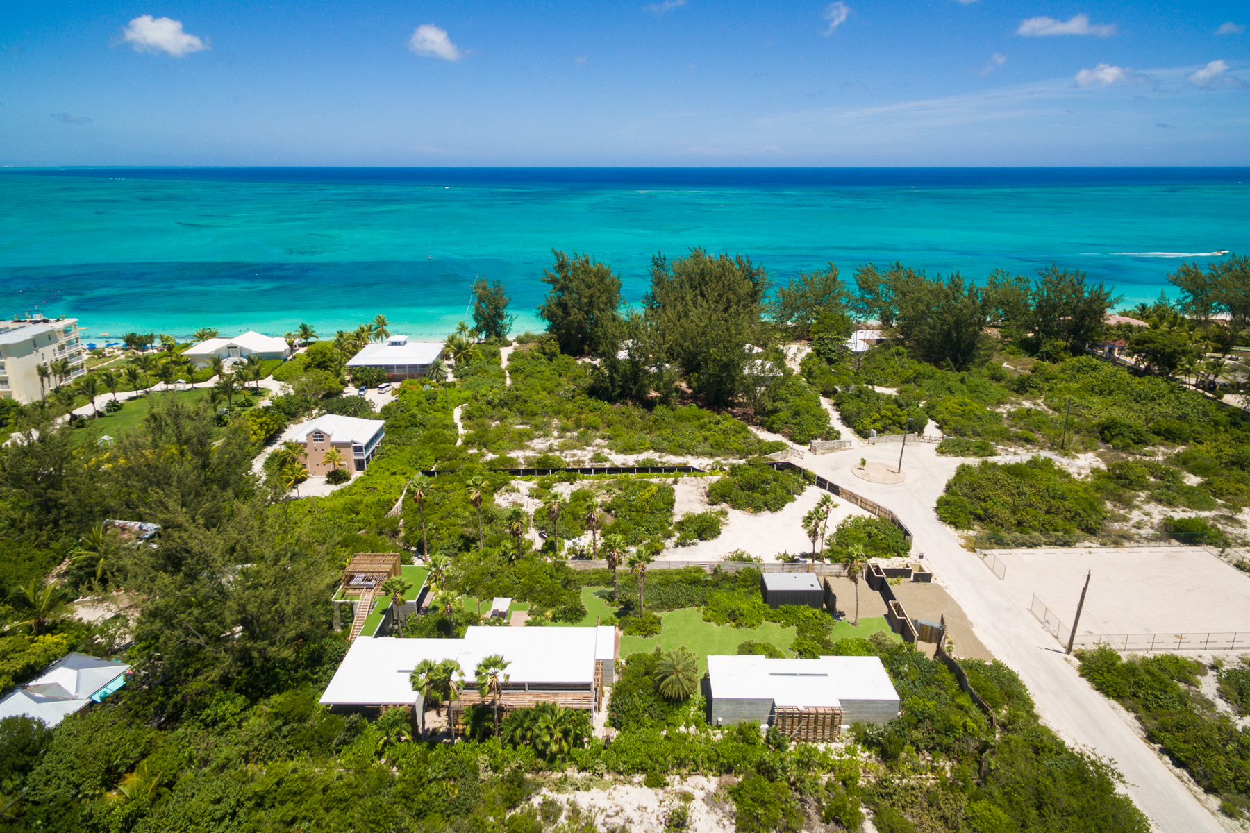 Additional photo for property listing at Islander Villa Garden View Grace Bay, Провиденсьялес TCI Теркс И Кайкос