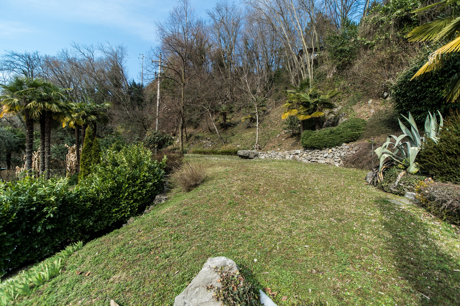 Additional photo for property listing at Prestigious villa on Lake Lugano Via G. Finali Valsolda, Como 22010 Italien