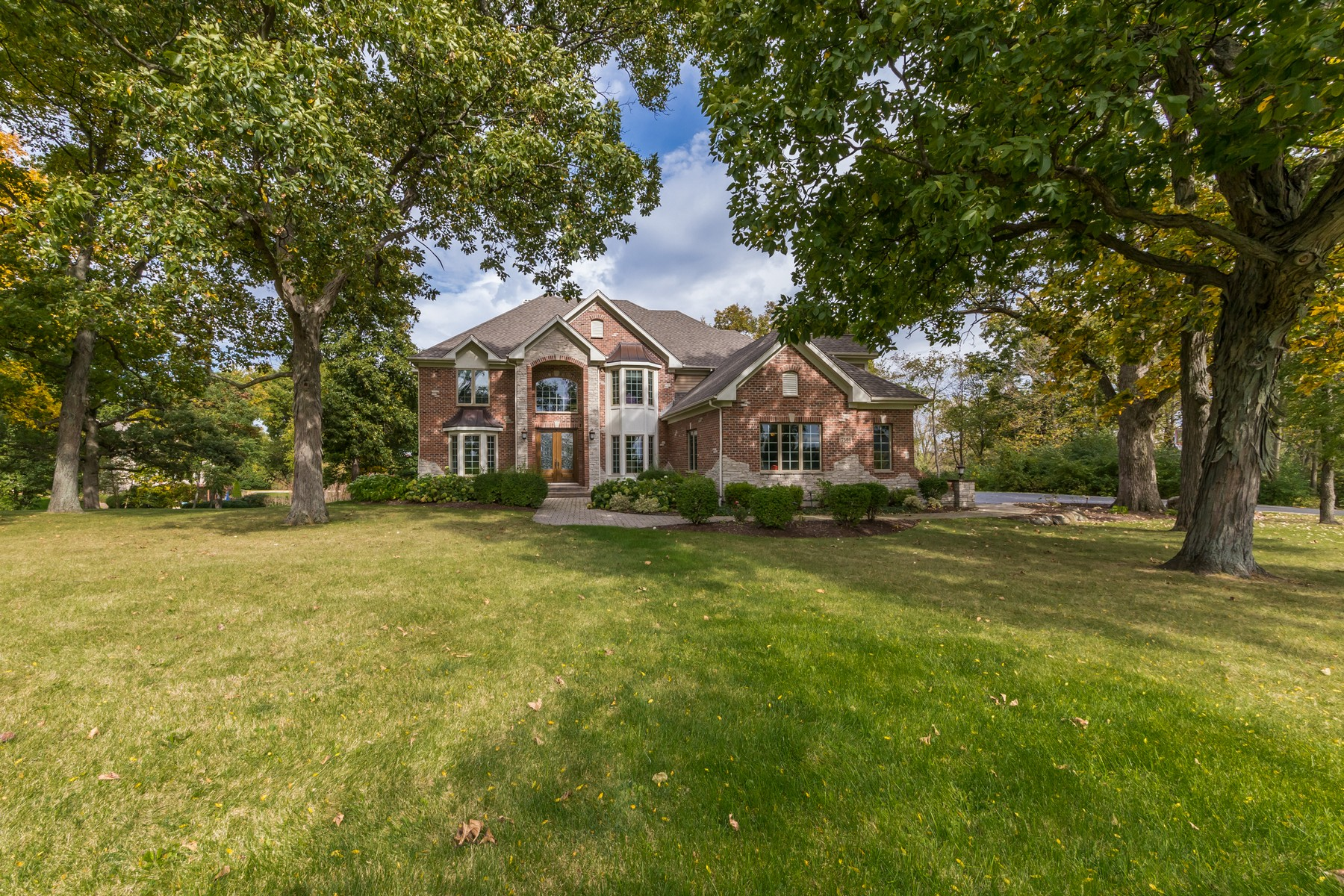 Casa Unifamiliar por un Venta en Magnificent Luxurious Living In Crystal Lake 7504 Vida Avenue Lakewood, Illinois, 60014 Estados Unidos