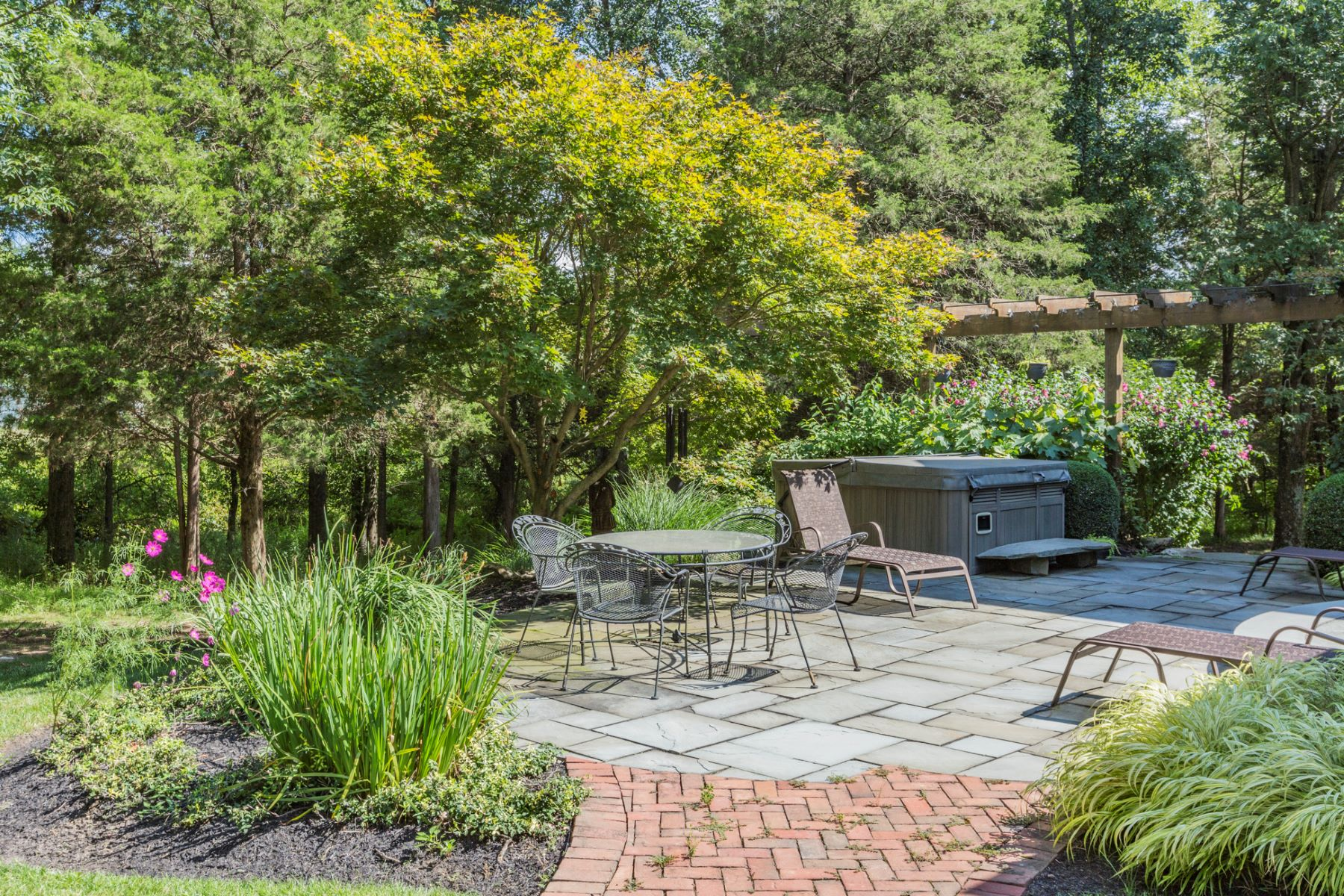 Additional photo for property listing at A Max Hayden Designed Gem 5 Timberbrooke Drive Hopewell, Nueva Jersey 08525 Estados Unidos