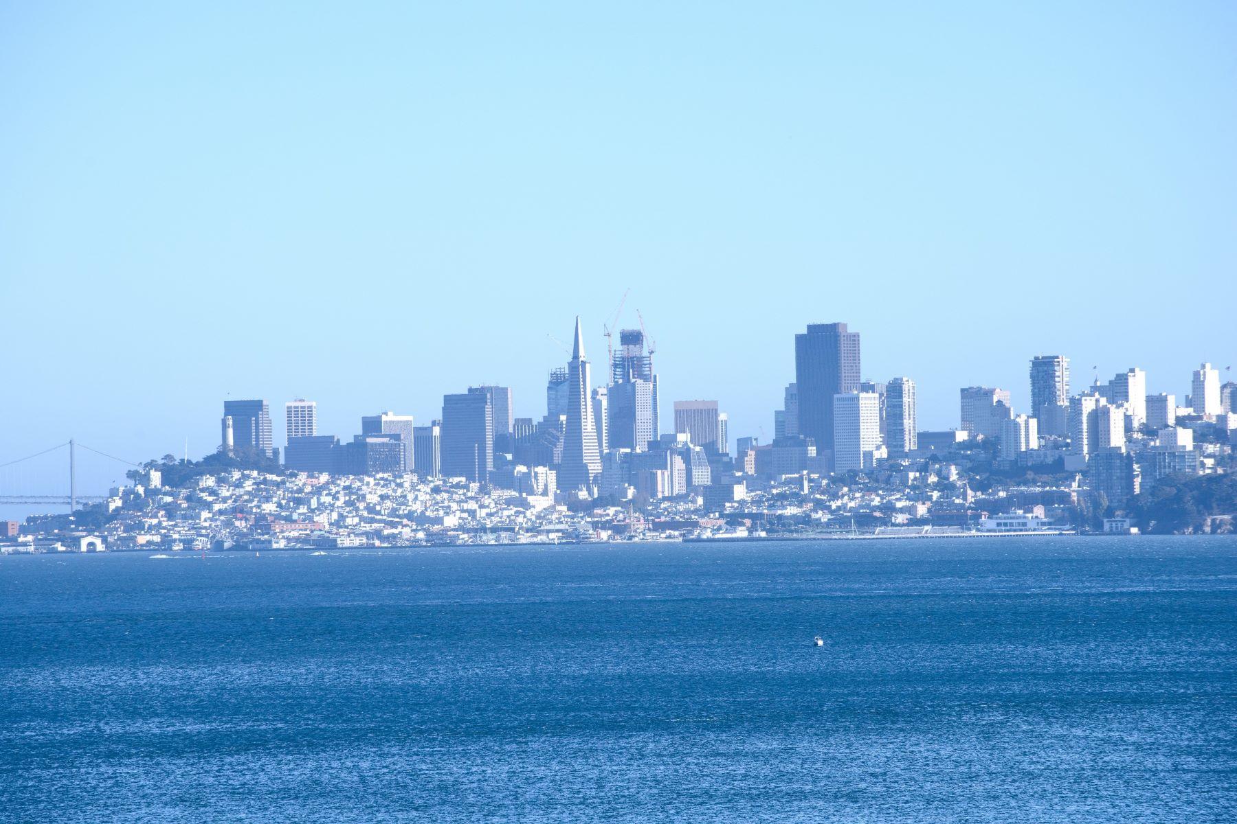 Частный односемейный дом для того Продажа на Stunning with San Francisco Skyline Views 109 Bulkley Avenue Sausalito, Калифорния 94965 Соединенные Штаты