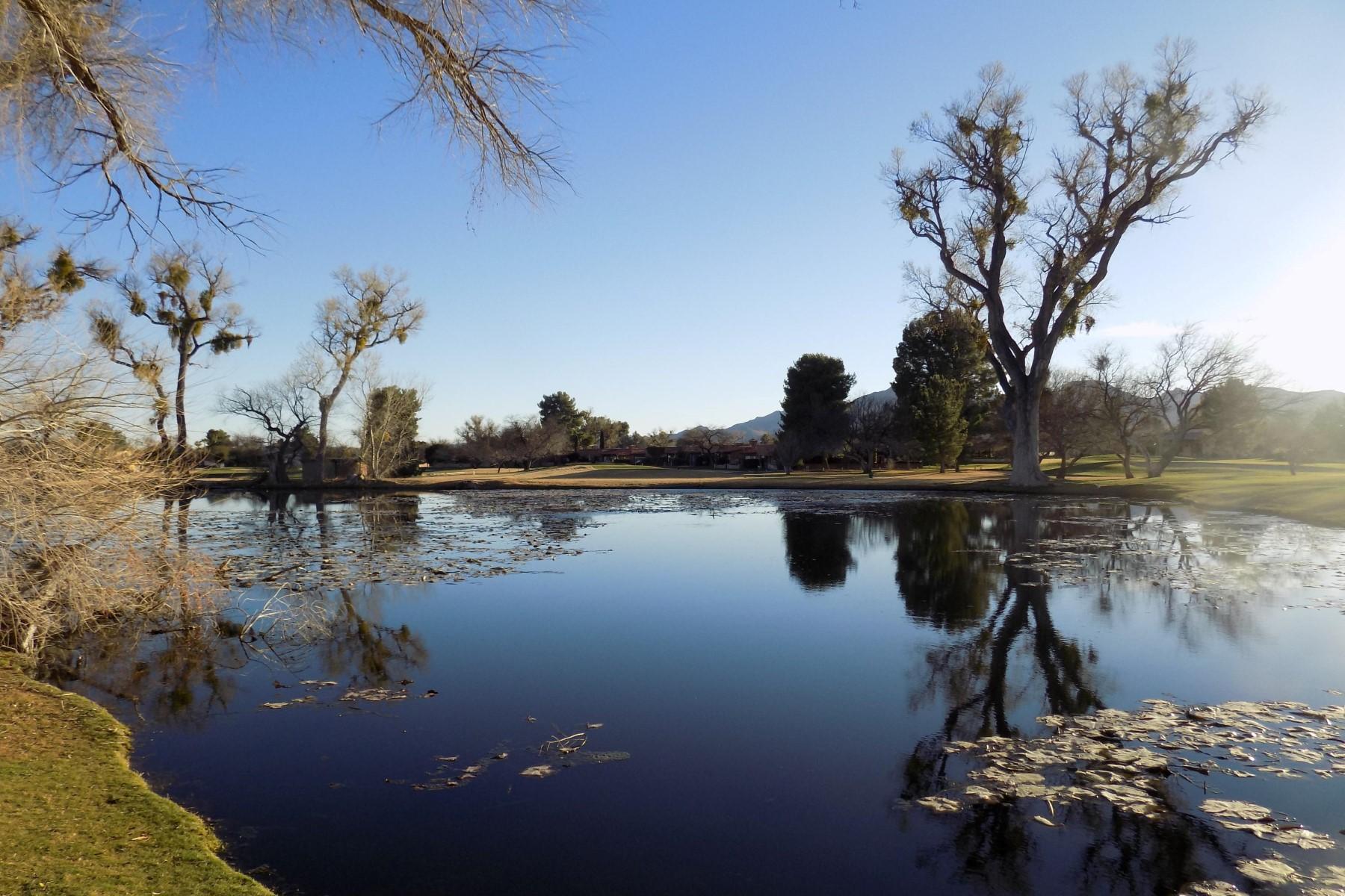 土地 为 销售 在 Beautiful lot on the 8th Green at the Tubac Golf Resort 100 Avenida De Otero 图巴克, 亚利桑那州, 85646 美国