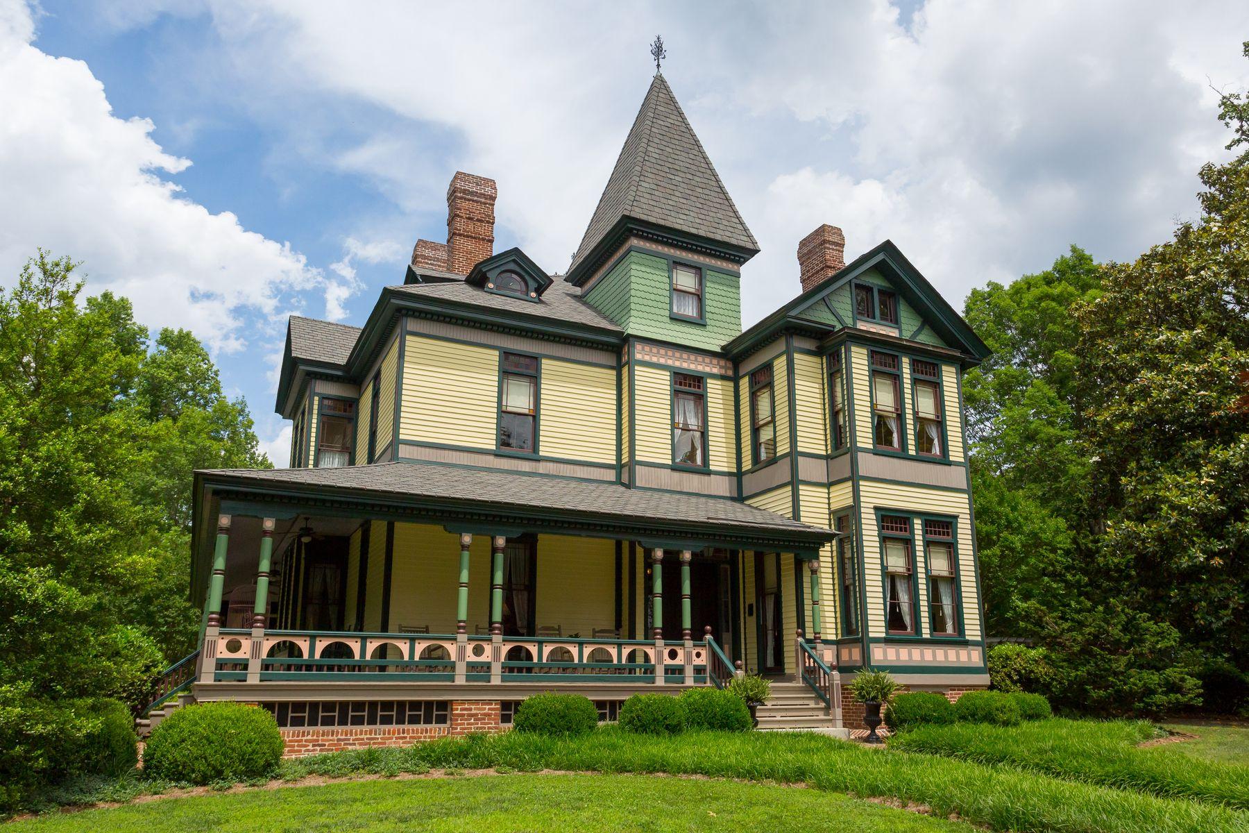 Maison unifamiliale pour l Vente à MOUNT PLEASANT 317 COLES POINT ROAD Hague, Virginia, 22469 États-Unis