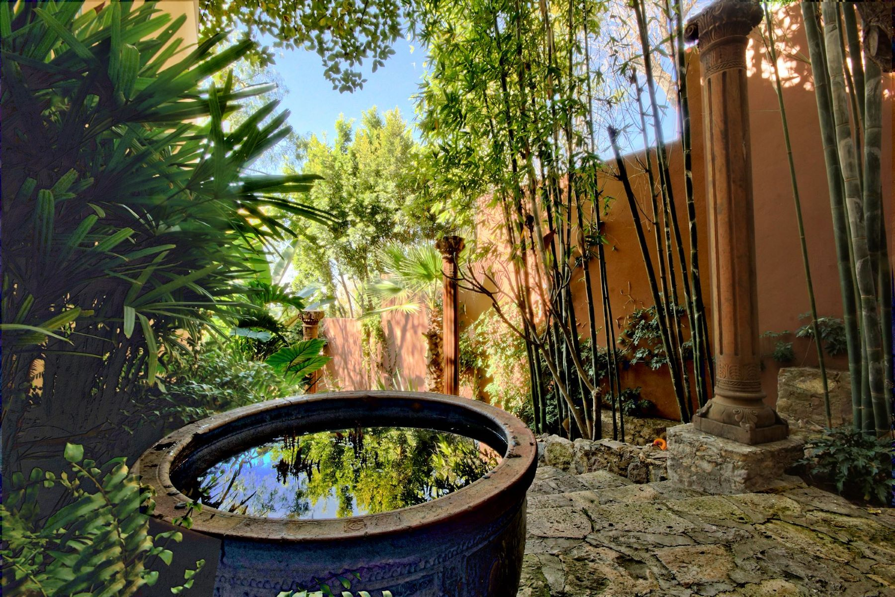 Additional photo for property listing at Casa de los Sueños Canadita de los Aguacates San Miguel De Allende, Guanajuato 37700 Mexico