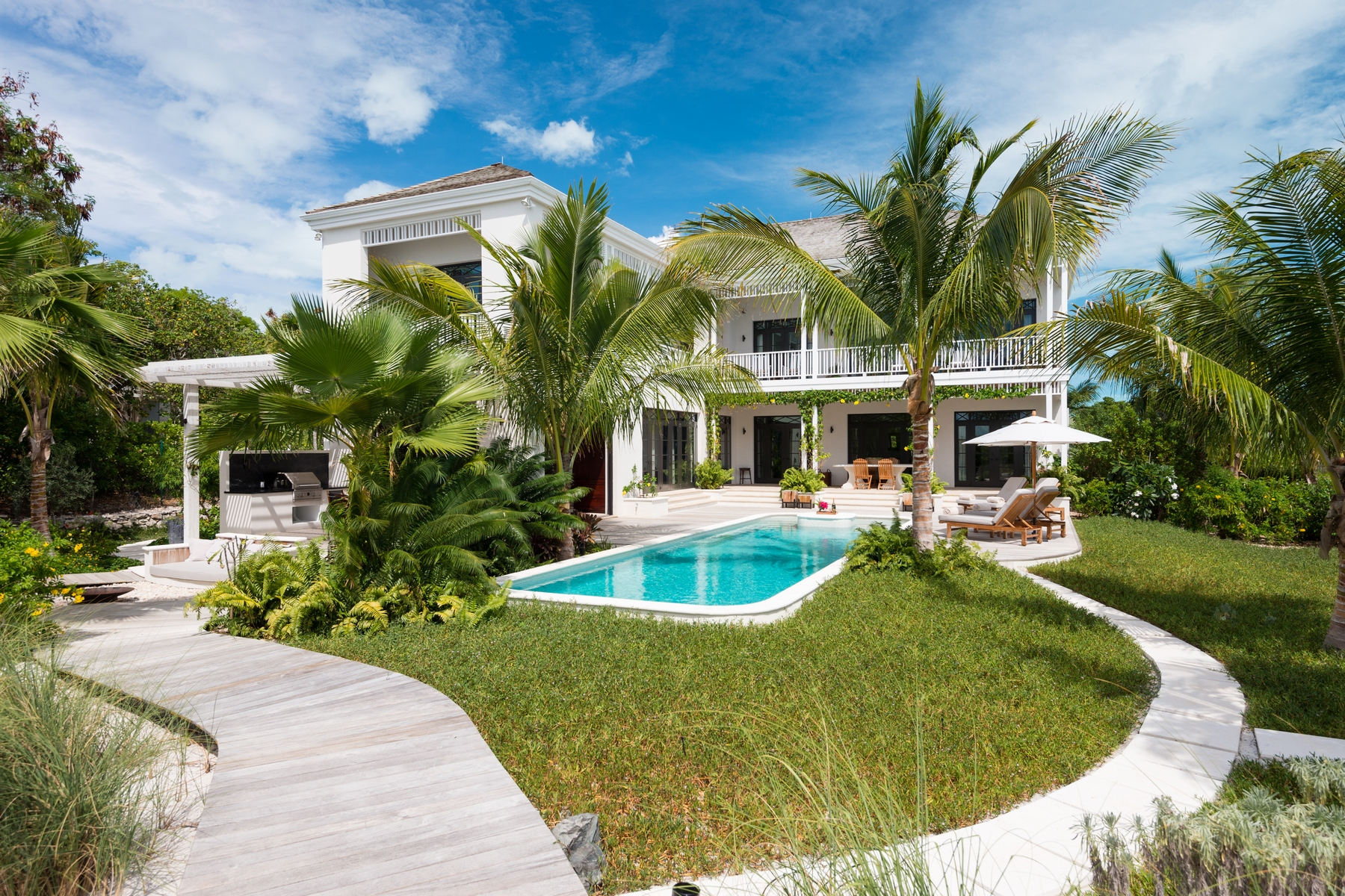 Additional photo for property listing at Saving Grace  Vacation Rental 4 Tranquility Lane Grace Bay, Providenciales TC Turks And Caicos Islands