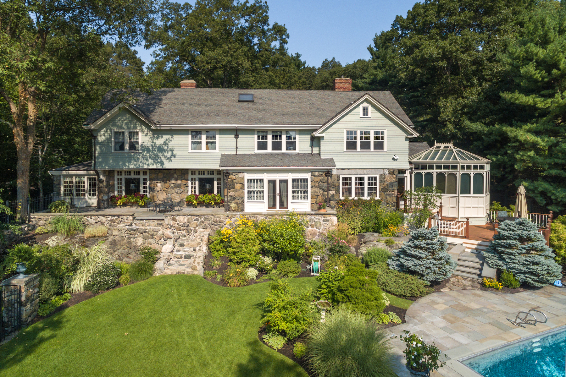 Additional photo for property listing at Exceptional Historic Arts & Crafts Home with Carriage House 16 McCall Rd Winchester, Massachusetts 01890 United States