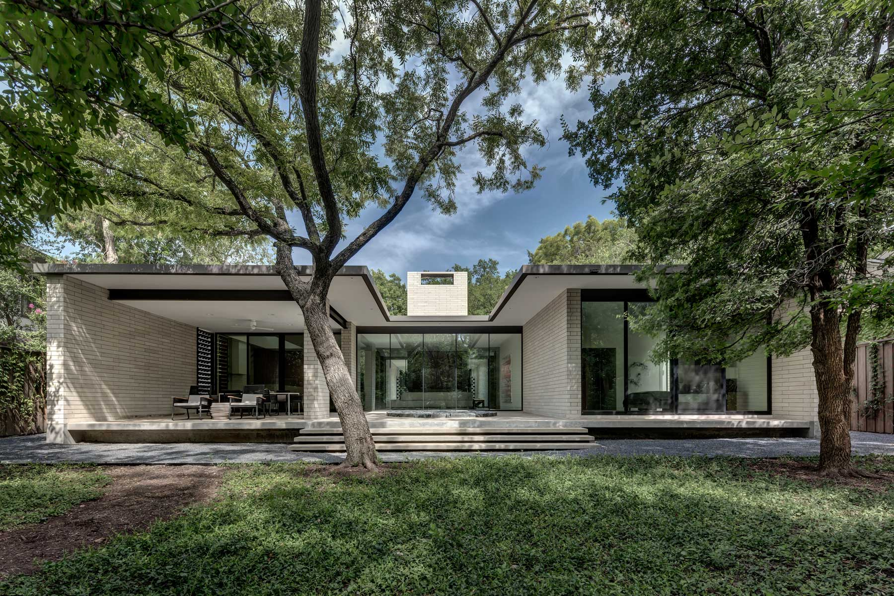 Single Family Home for Sale at Architect-Designed Bluffview Home 4603 Bluffview Blvd. Dallas, Texas, 75209 United States