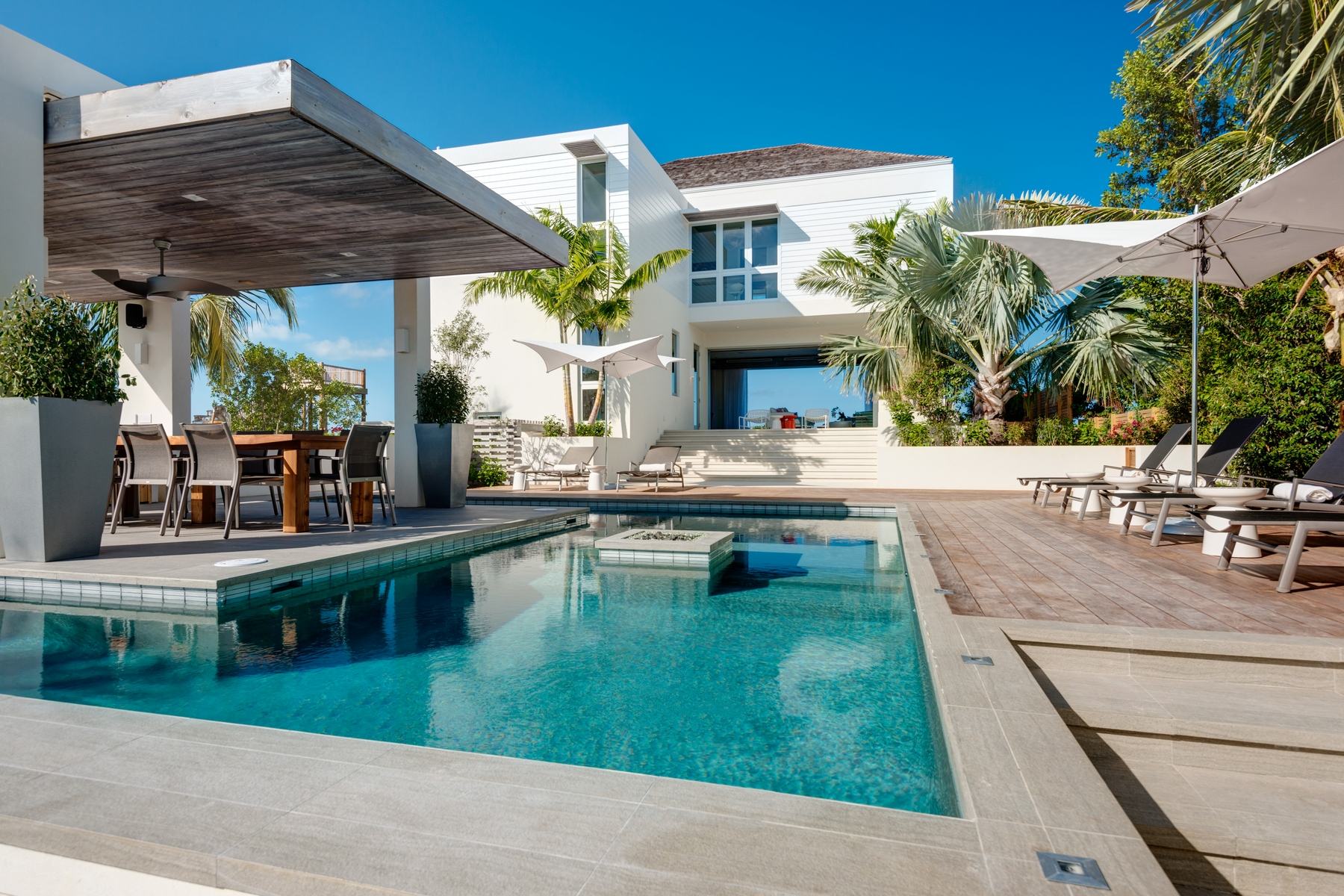 Casa Unifamiliar por un Venta en The Dunes Villa 1 ~ Managed by Grace Bay Resorts North Shore Beachfront, Turtle Cove, Providenciales, TC Islas Turcas Y Caicos