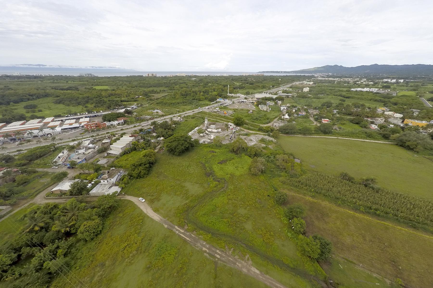 Terreno por un Venta en Lote Tondoroque Carretera Puerto Vallarta - Tepic Entre Tondoroque y Mezcales Nuevo Vallarta, Nayarit 63737 México
