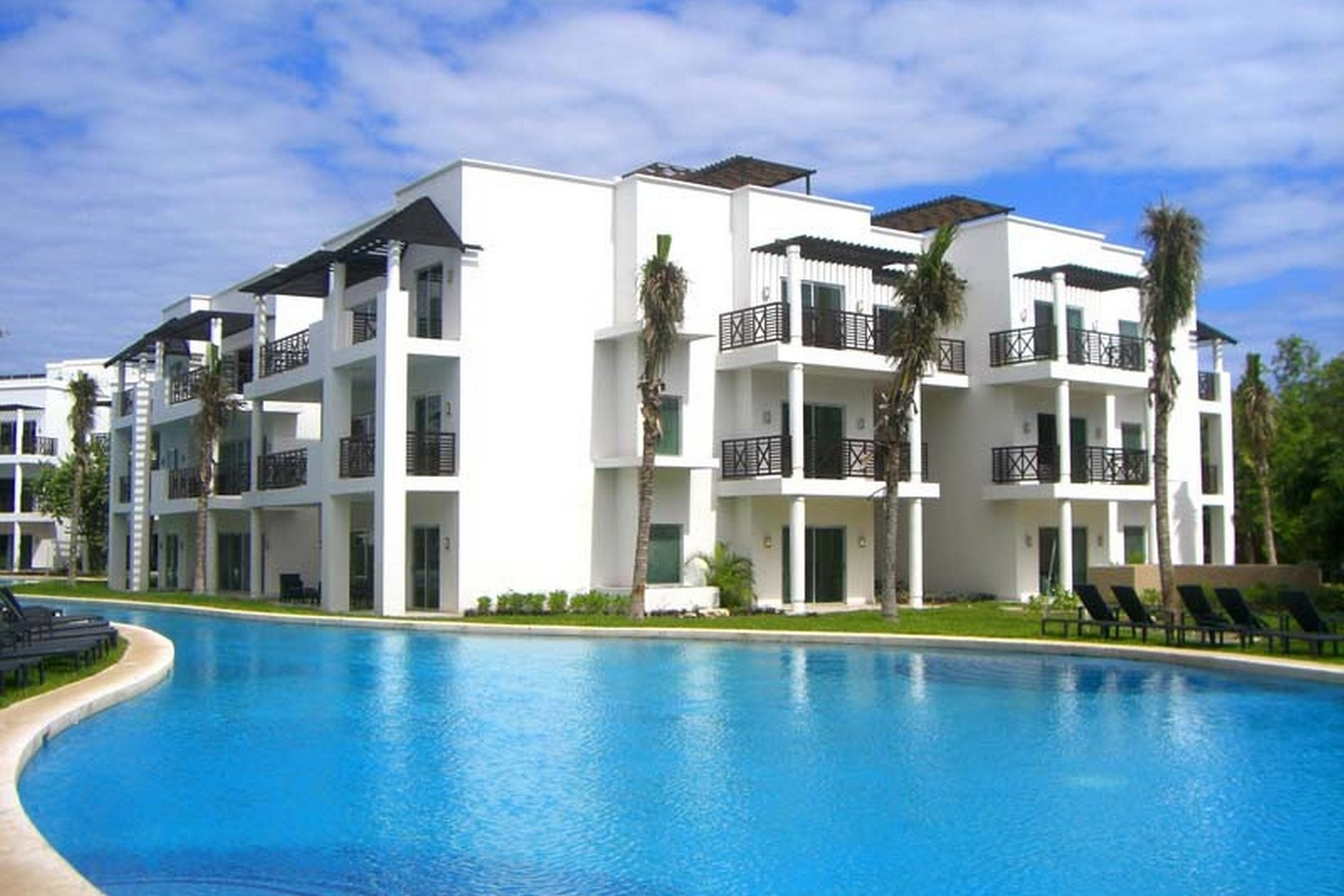Condominium for Sale at PENTHOUSE XCALACOCO Playa Del Carmen, 77710 Mexico