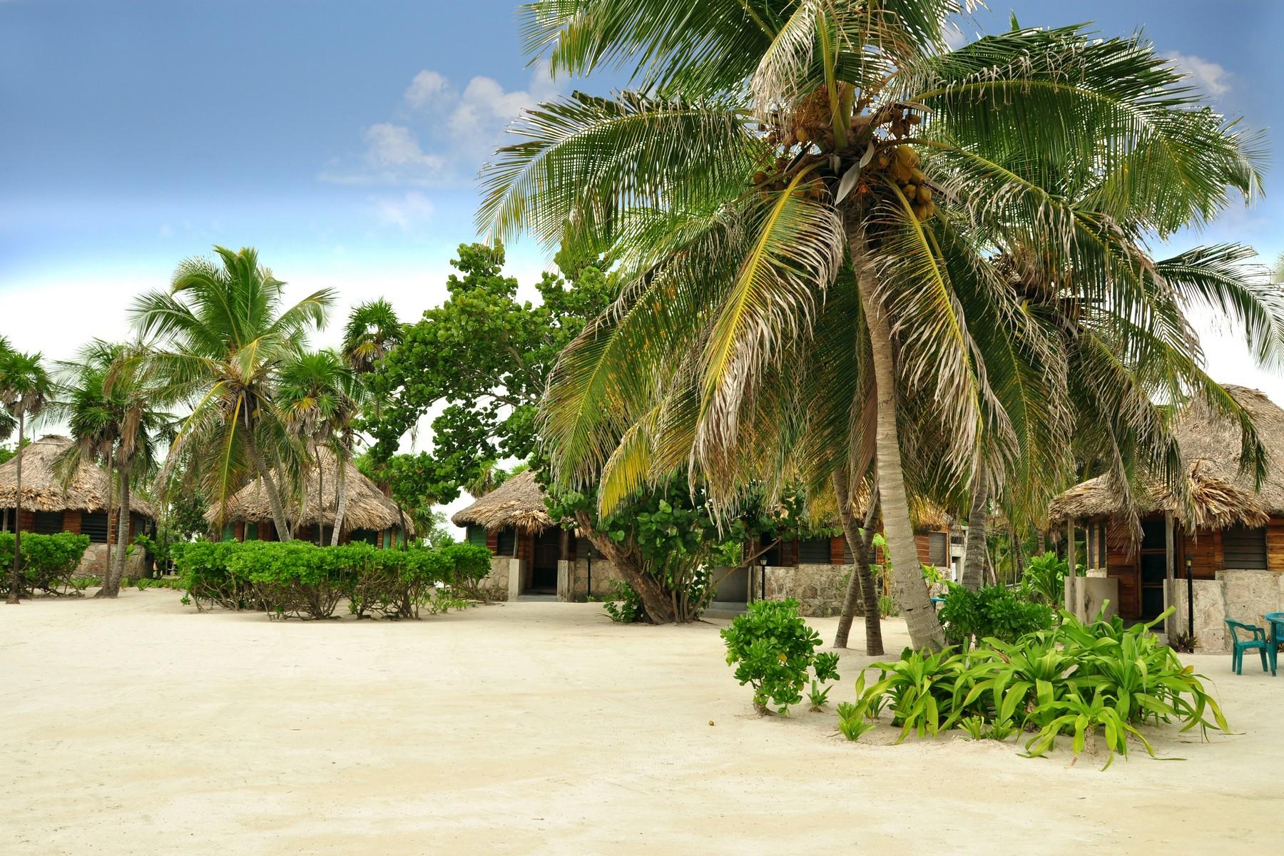 Additional photo for property listing at COSTA MAYA HOTEL CON FRENTE DE PLAYA  Xcalak, Quintana Roo 77940 México