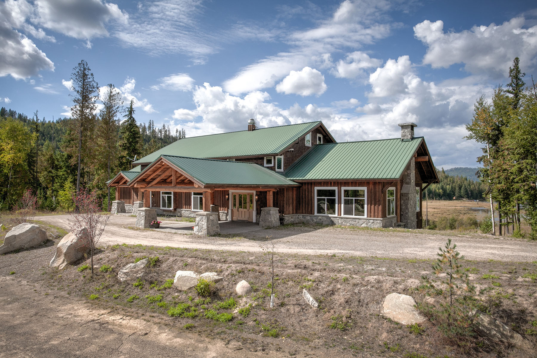 Single Family Home for Sale at Magnificent Lodge Home Estate 1834 Lost Creek Rd. Coolin, Idaho 83821 United States