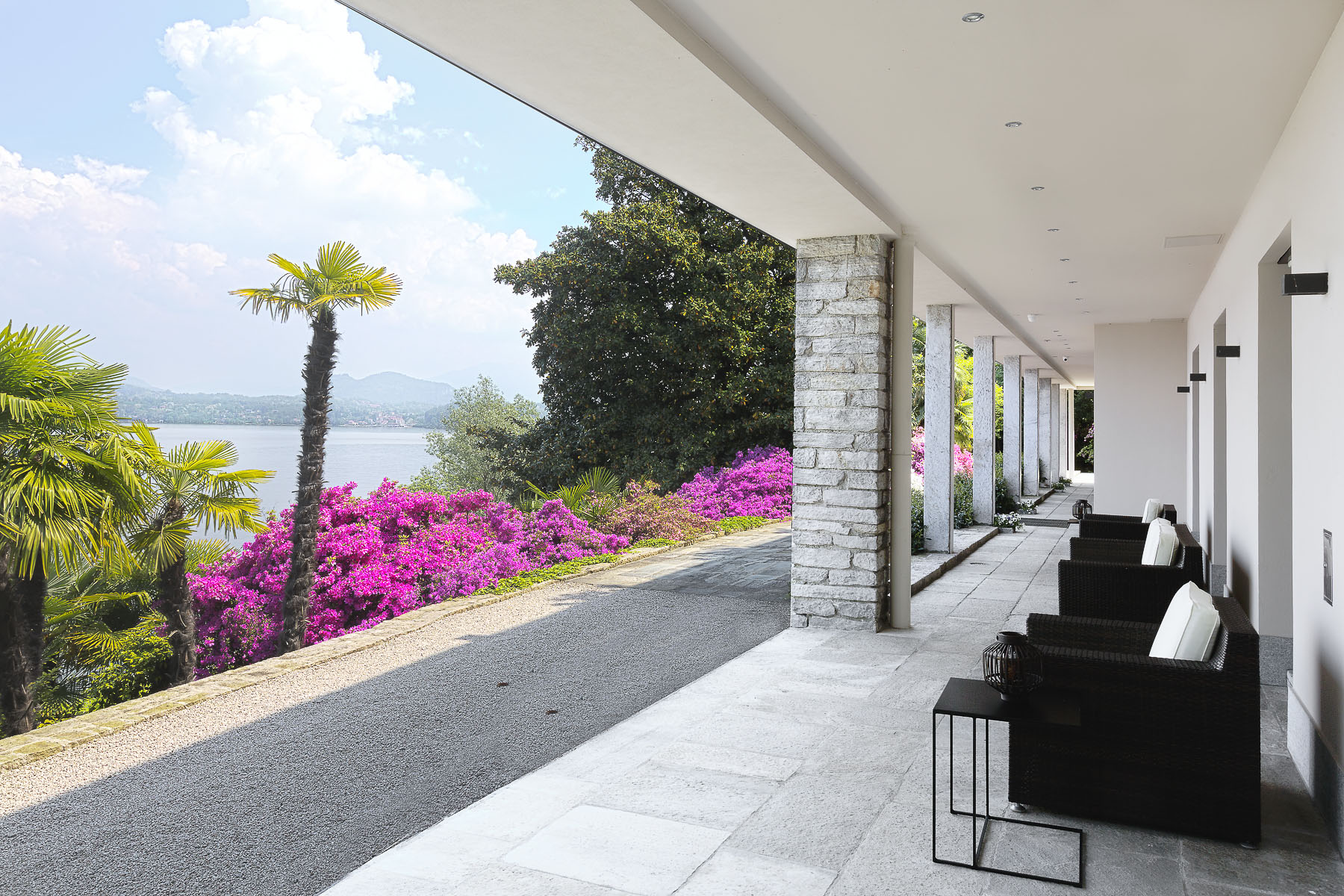 Additional photo for property listing at An alluring lakefront villa in the enchanting Stresa  Stresa, Verbano Cusio Ossola 28838 Italy