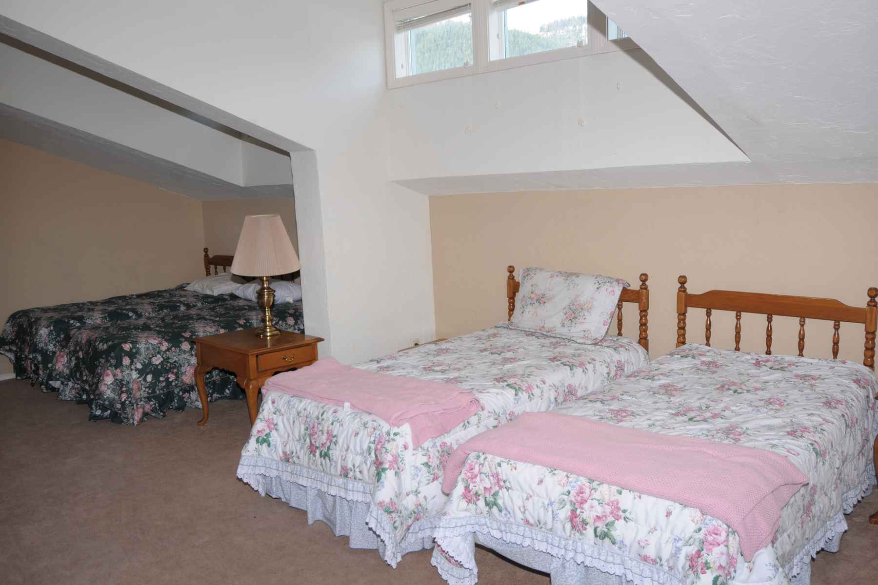 Additional photo for property listing at In Town Value 361 S. Leadville Ave Ketchum, Idaho 83340 United States