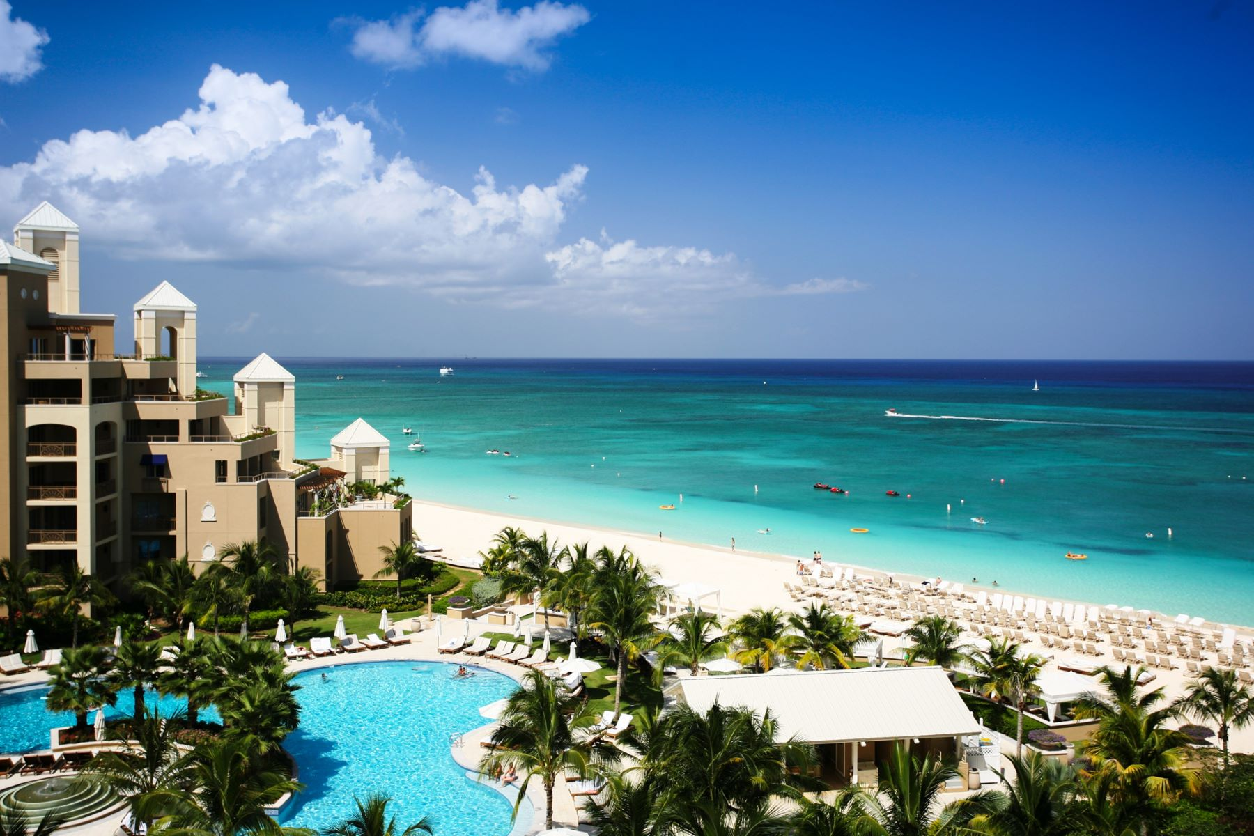 共管式独立产权公寓 为 出租 在 Ritz-Carlton vacation rental The Ritz-Carlton, Grand Cayman 1059 West Bay Rd 七英里海峡, KY1 开曼群岛