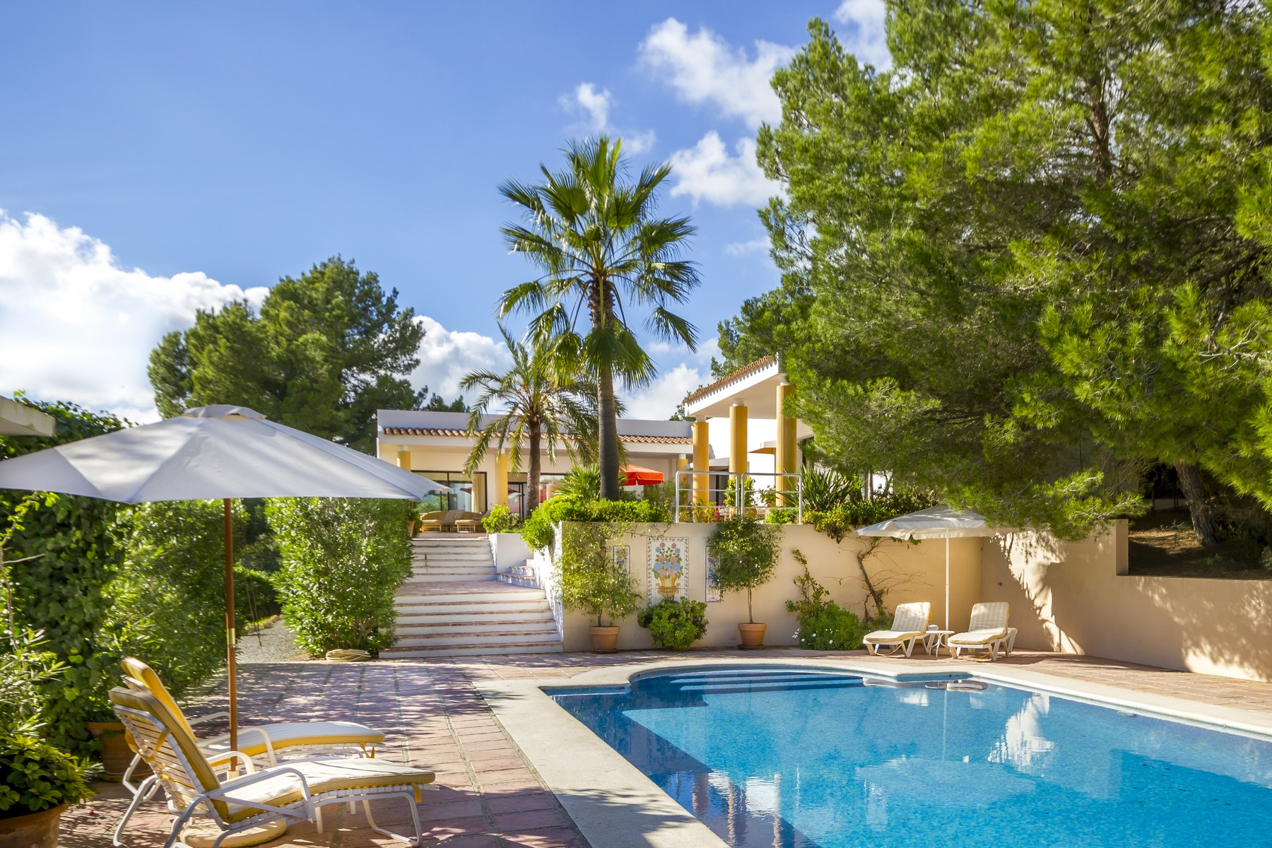 Maison unifamiliale pour l Vente à Spacious Villa With Guest House And Great Views San Jose, Ibiza, 07830 Espagne
