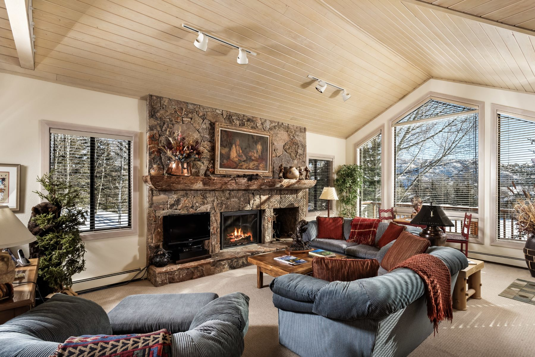 Copropriété pour l Vente à Homestead at Snowmass # 15 3904 Brush Creek Road Unit 15 Snowmass Village, Colorado, 81615 États-Unis