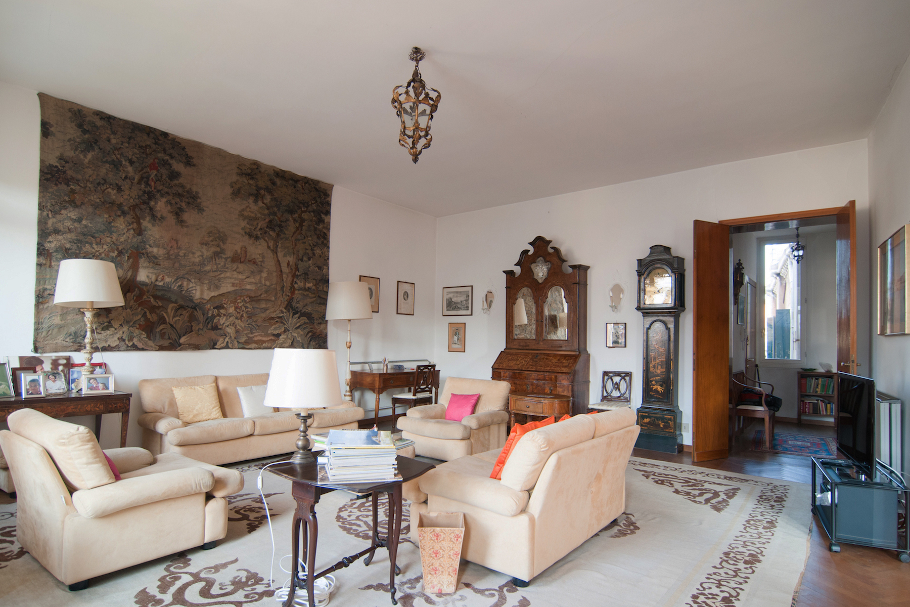 Single Family Home for Sale at Grand Canal Palazzetto top floor apartment with lift and stunning views Venice, Venice Italy