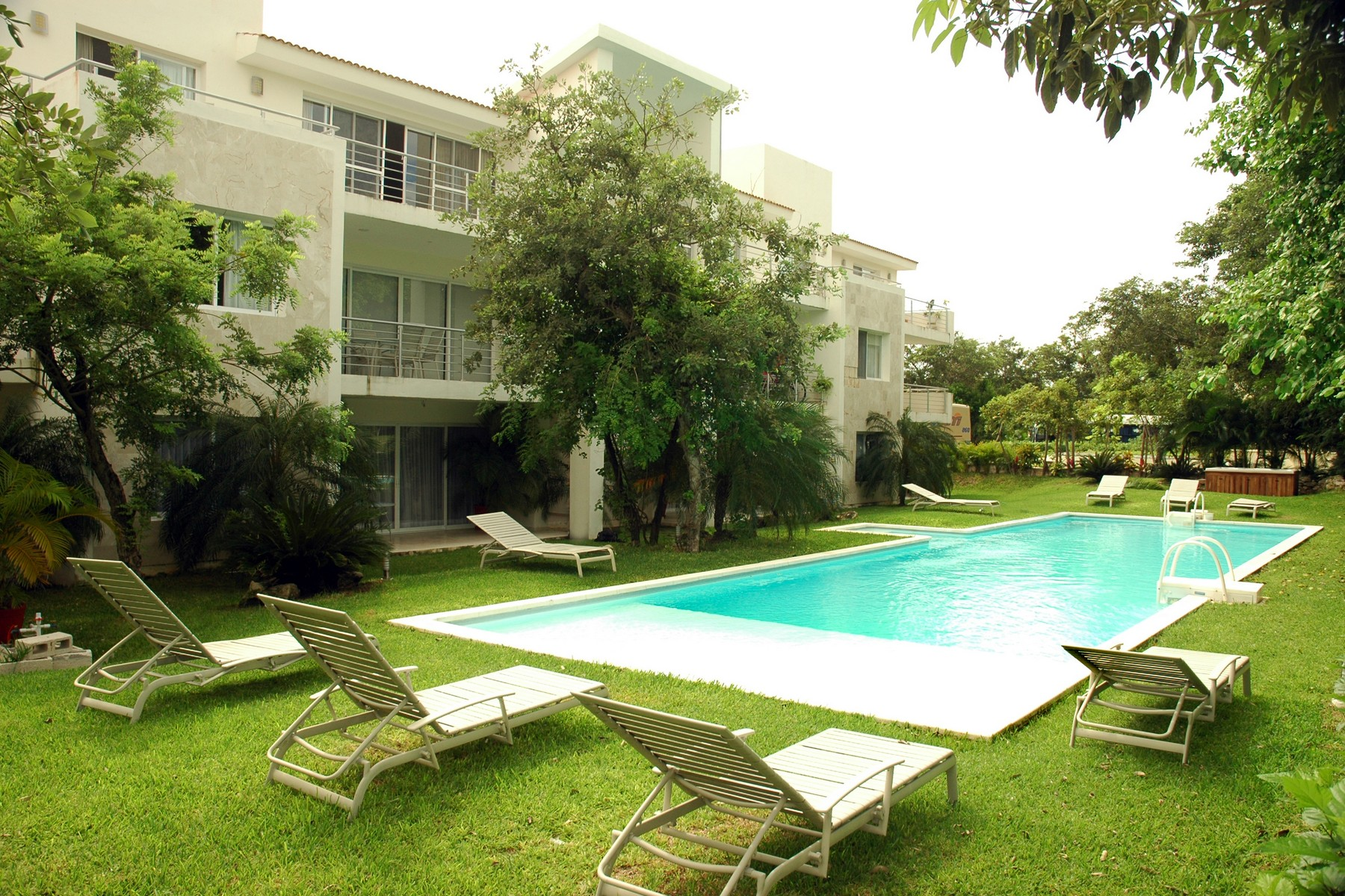 Additional photo for property listing at GOLF ONE B2  Playa Del Carmen, Quintana Roo 77710 Mexico