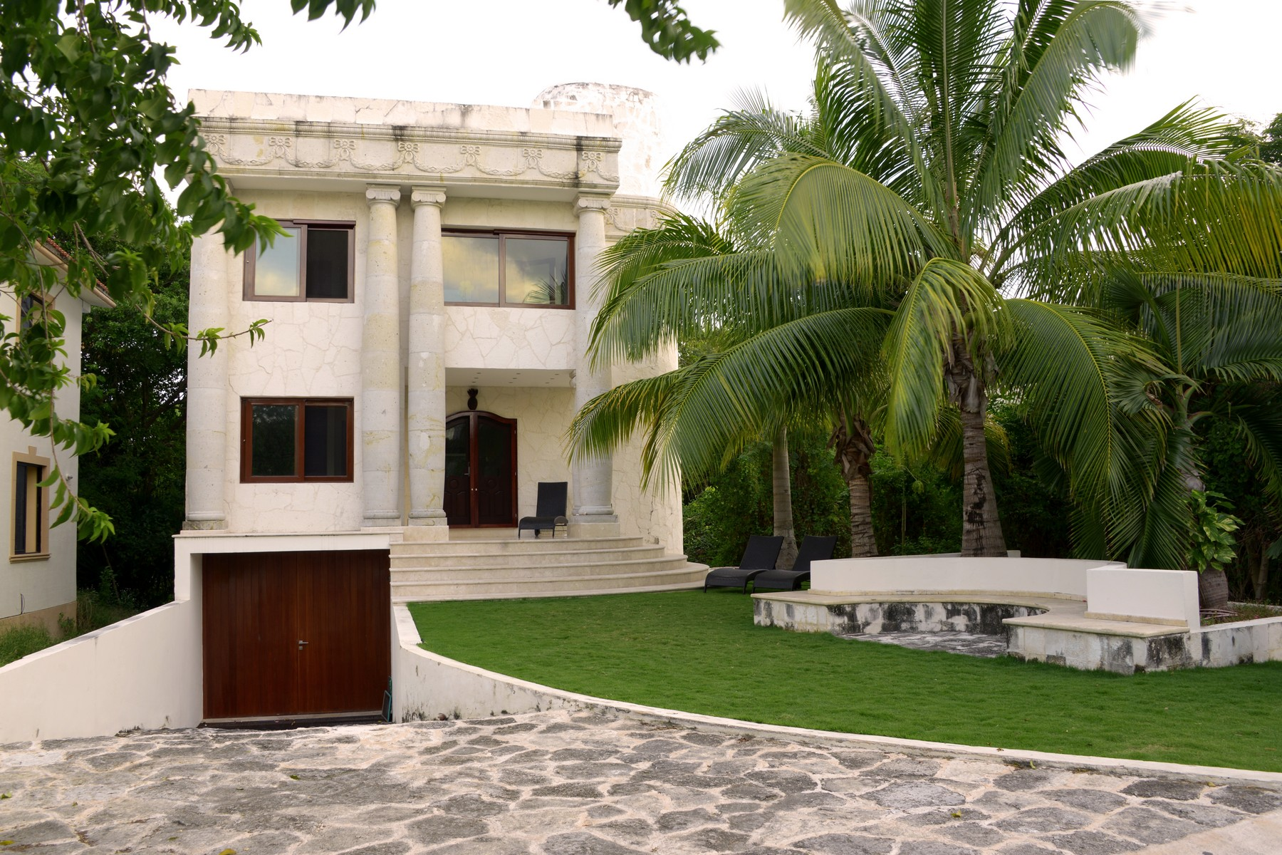 Single Family Home for Sale at ROME HOME Retorno Xaman-Ha, Lol-Ha Ac Playacar Fase II Playa Del Carmen, 77710 Mexico
