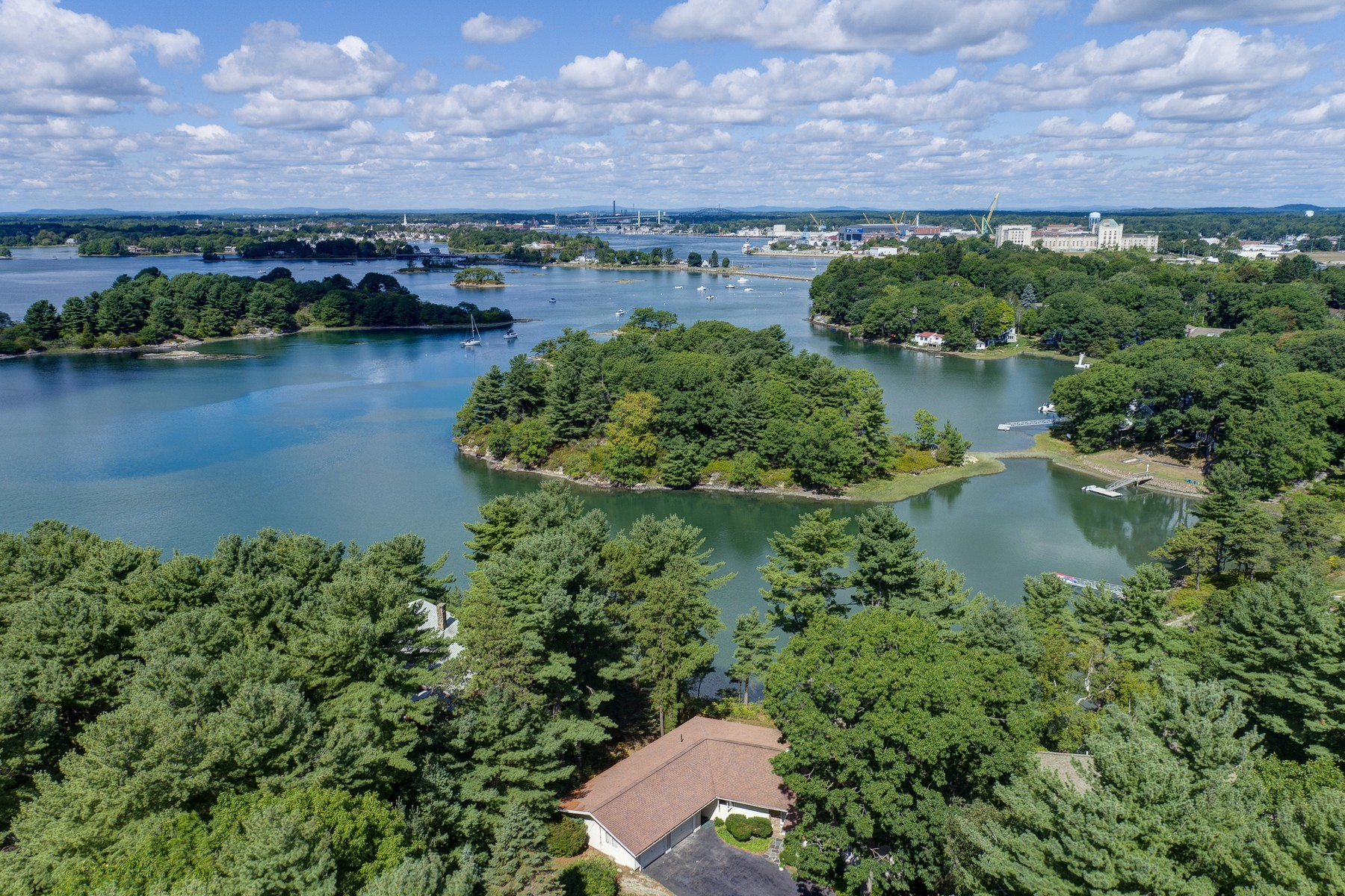 Single Family Home for Sale at Sited High Atop Bosens Hill on New Castle Island 164 Walton Road New Castle, New Hampshire, 03854 United States