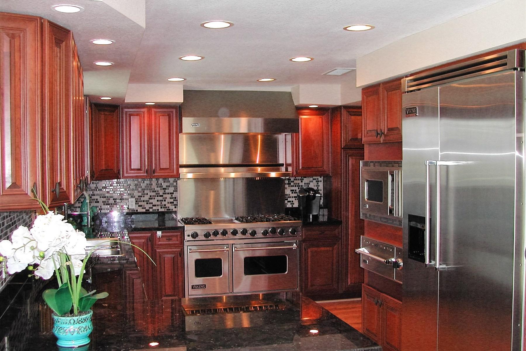 一戸建て のために 売買 アット Fabulously beautiful remodeled home in the foothills 1121 W Las Palmas Drive Tucson, アリゾナ, 85704 アメリカ合衆国