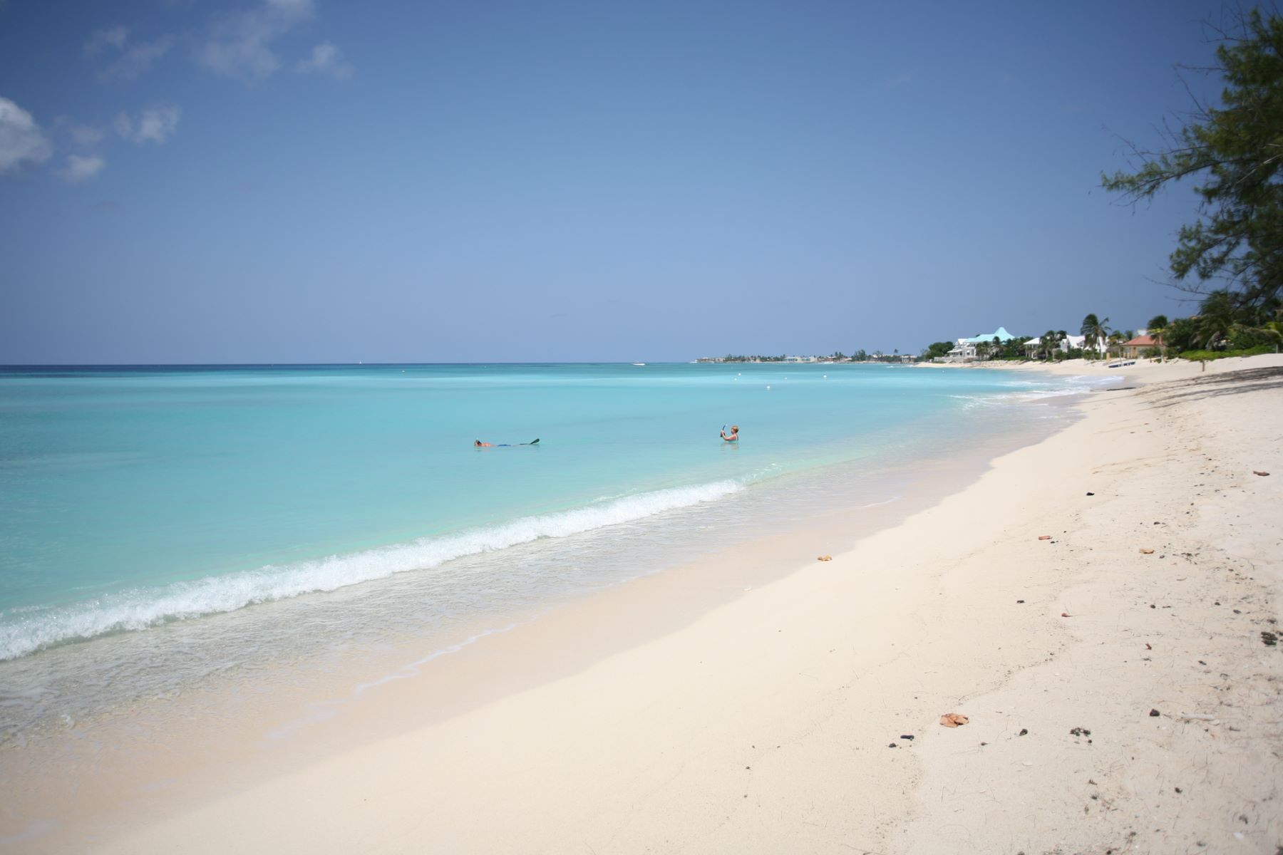 Additional photo for property listing at Sundial Condos, Seven Mile Beach Sundial Condos, W Bay Rd, Grand Cayman, Cayman Islands Seven Mile Beach, Gran Caimán CAYMAN Islas Caimán