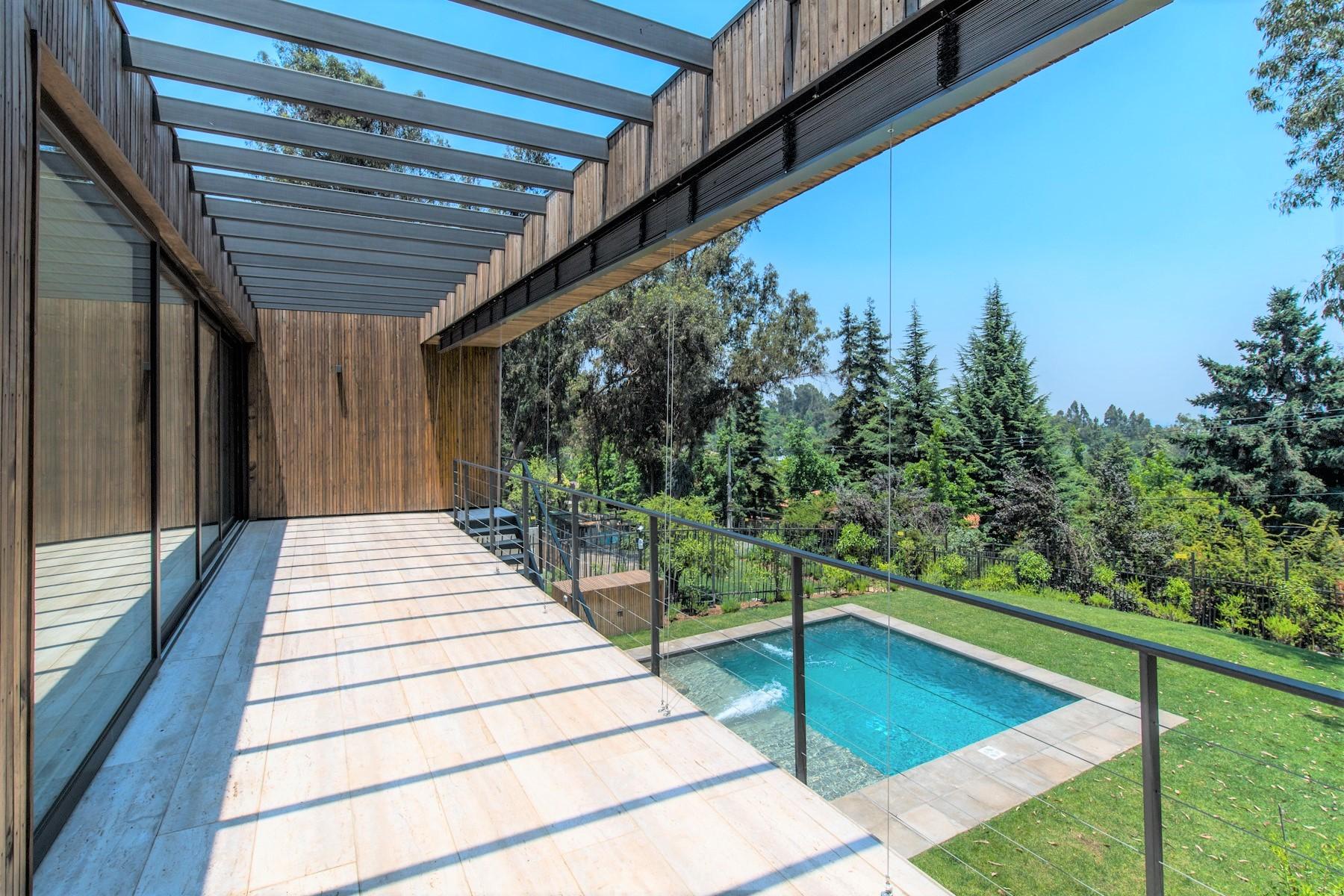 Casa para uma família para Venda às Fabulous contemporary house designed by famous chilean arquitect Mathias Klotz Santiago, Santiago, Chile