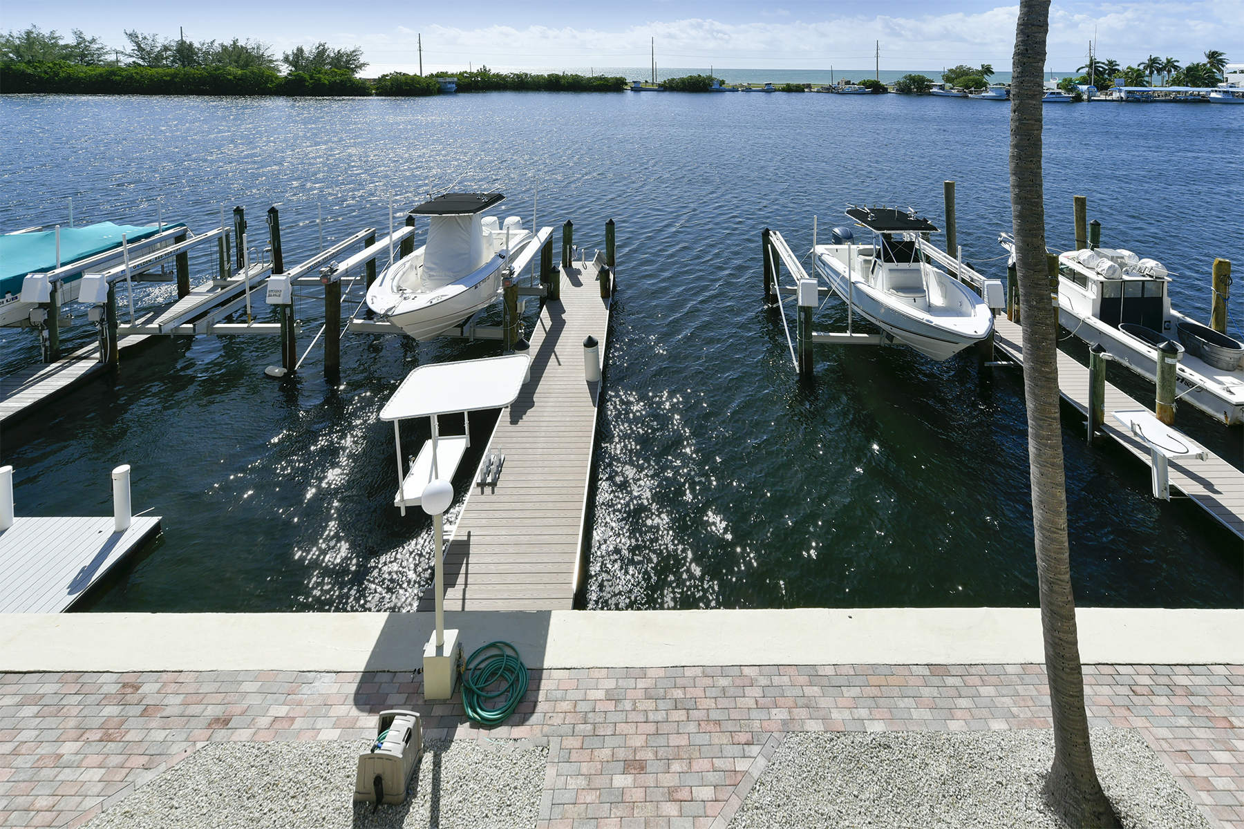 Additional photo for property listing at Port Antigua Townhouse 200 El Capitan Drive B4 Islamorada, Florida FL Estados Unidos