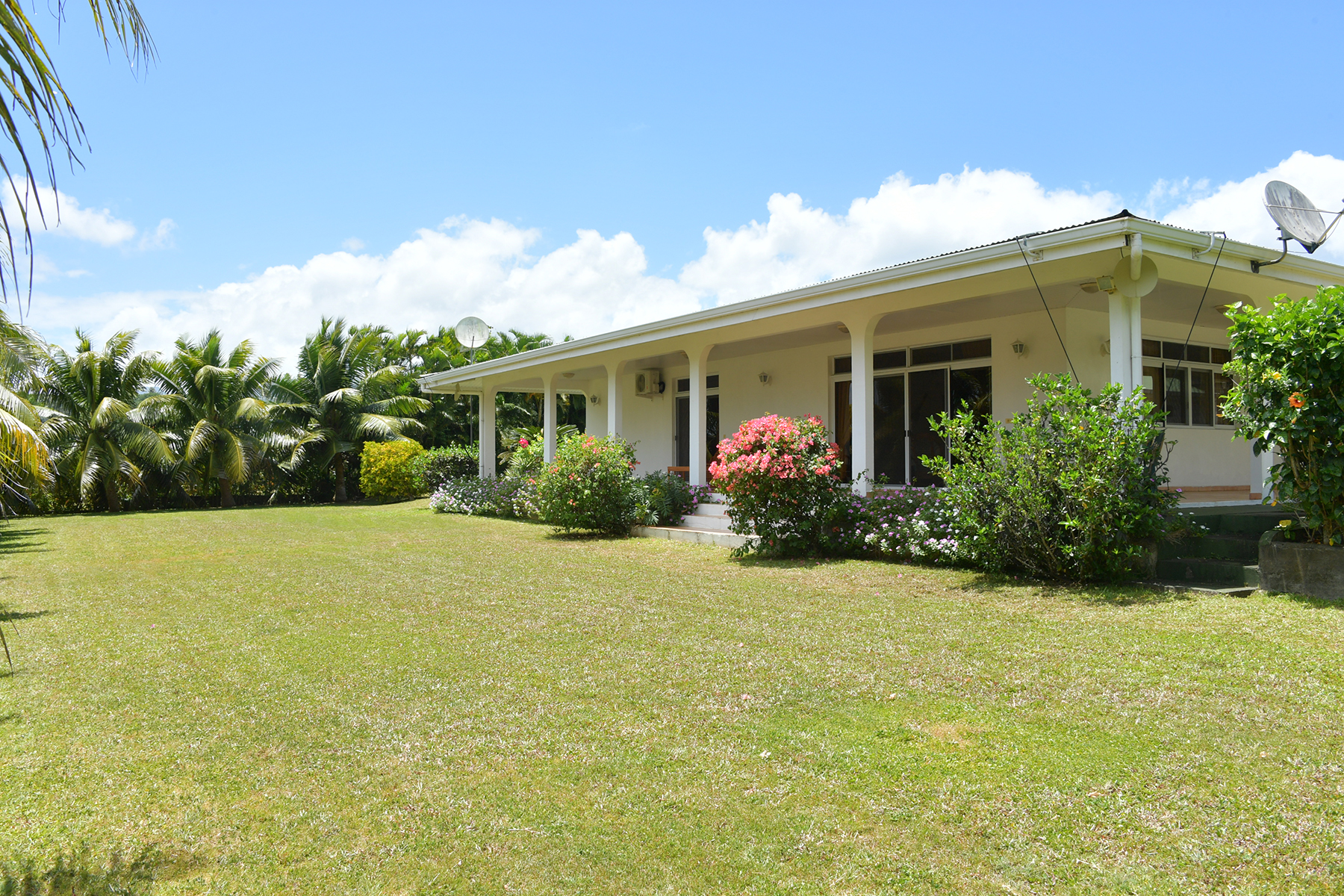 Single Family Home for Sale at Family home in a quiet area Tahiti, French Polynesia