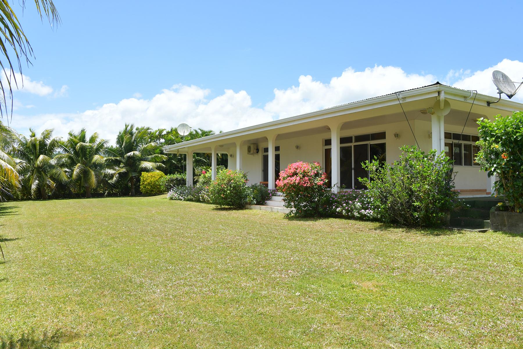 Casa Unifamiliar por un Venta en Family home in a quiet area Tahiti, French Polynesia
