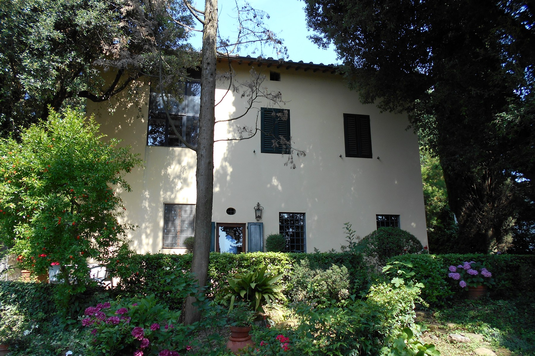 Additional photo for property listing at Beautiful villa with swimming pool with breathtaking view. Via Lonchio Antella Bagno A Ripoli, Florence 50012 Italie