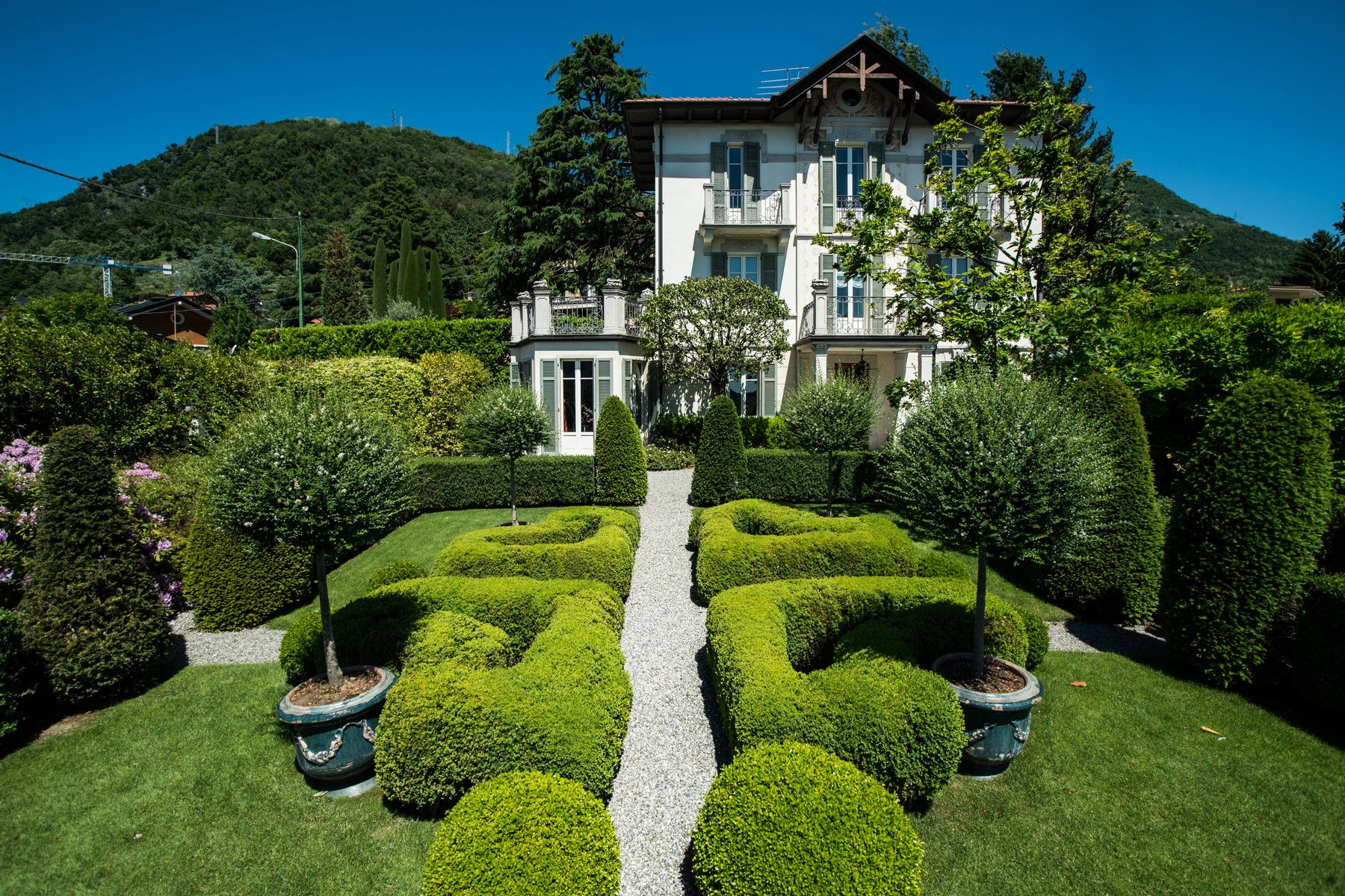 Additional photo for property listing at Gorgeous villa with dependance overlooking Lake Como Via Vittorio Veneto Cernobbio, Como 22012 Italien