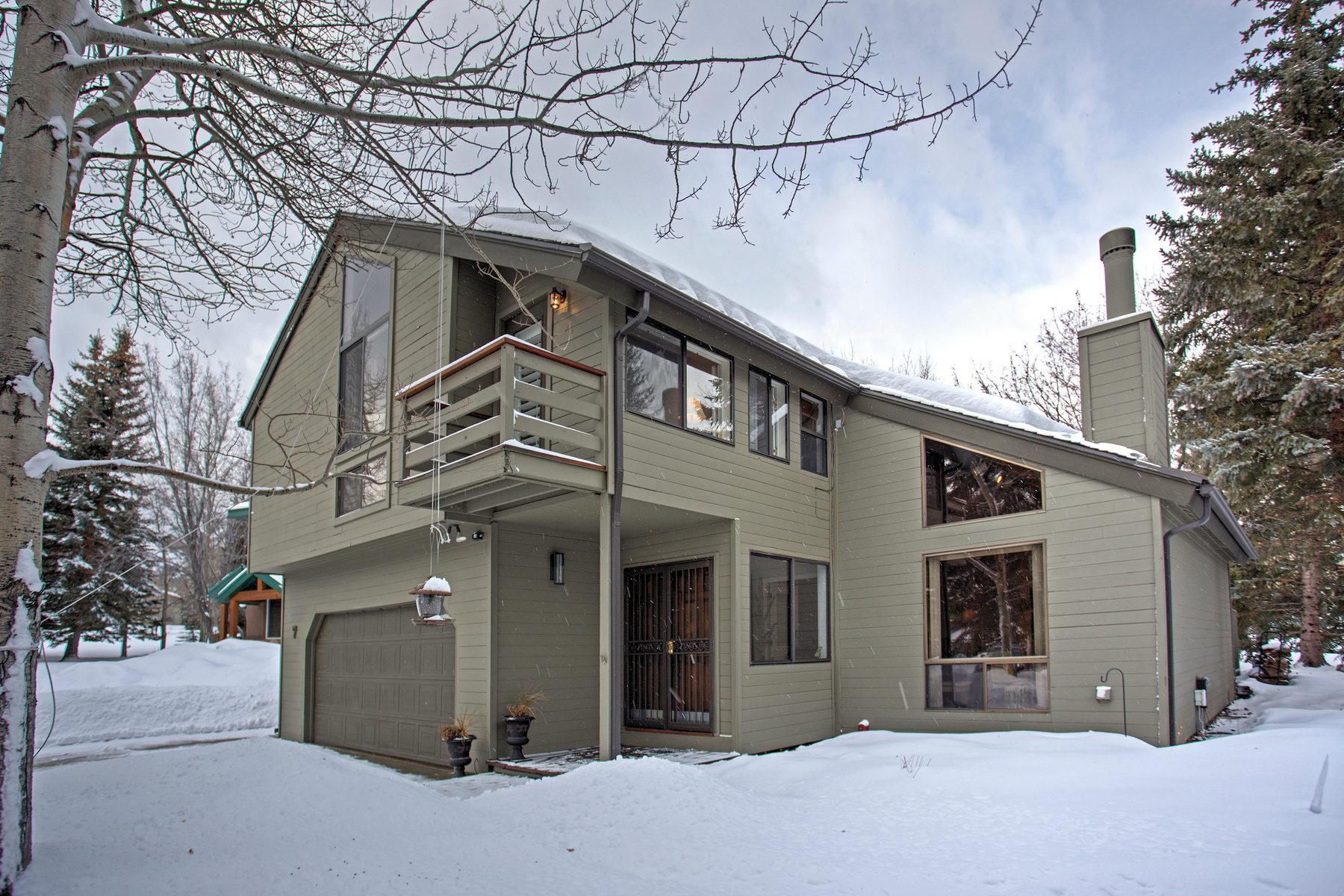 Casa para uma família para Venda às Perfect location in Thaynes Canyon on a Cul De Sac & Eighth Green of Park City M 7 Double Jack Ct Park City, Utah, 84060 Estados Unidos